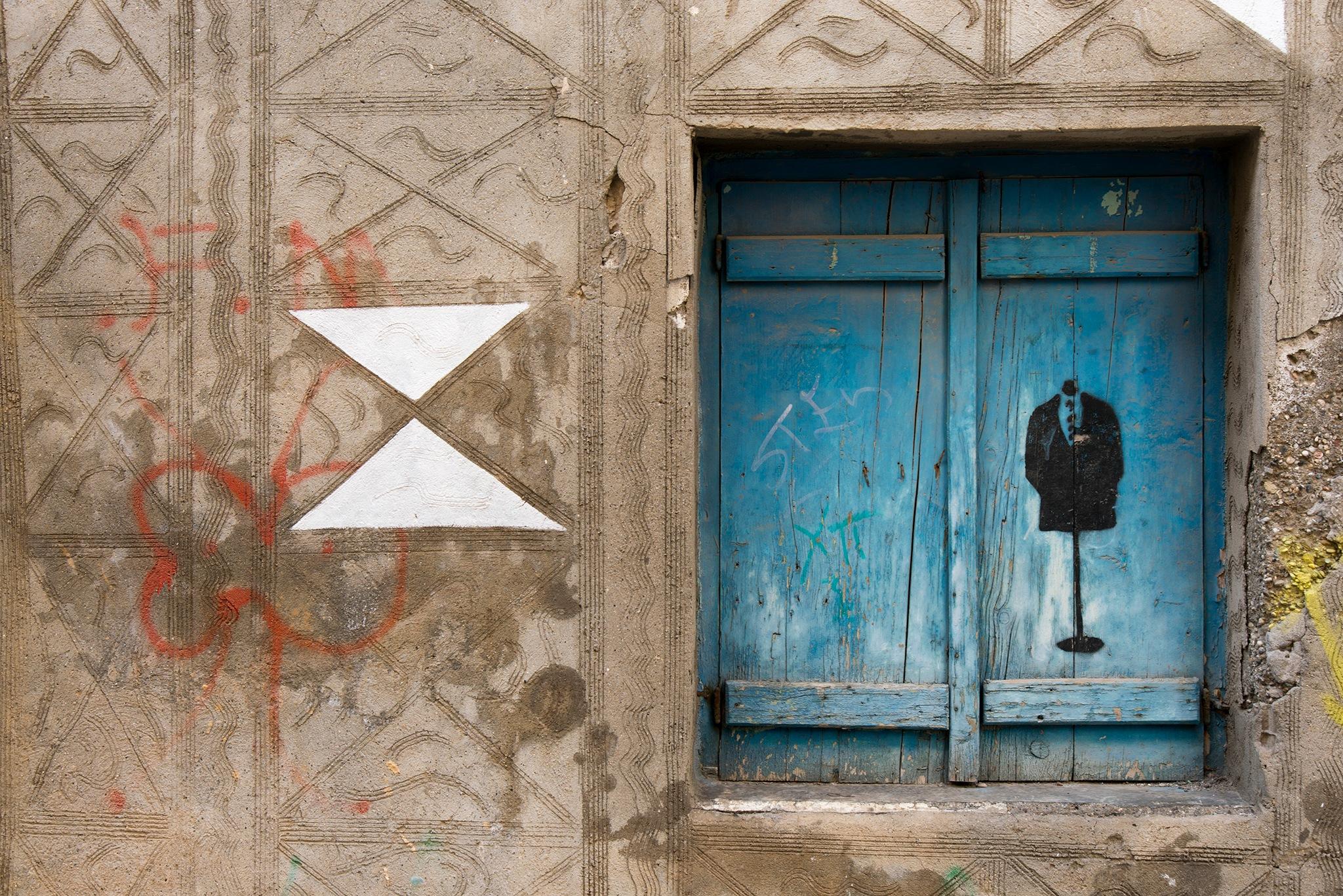 blue window by per f andersen