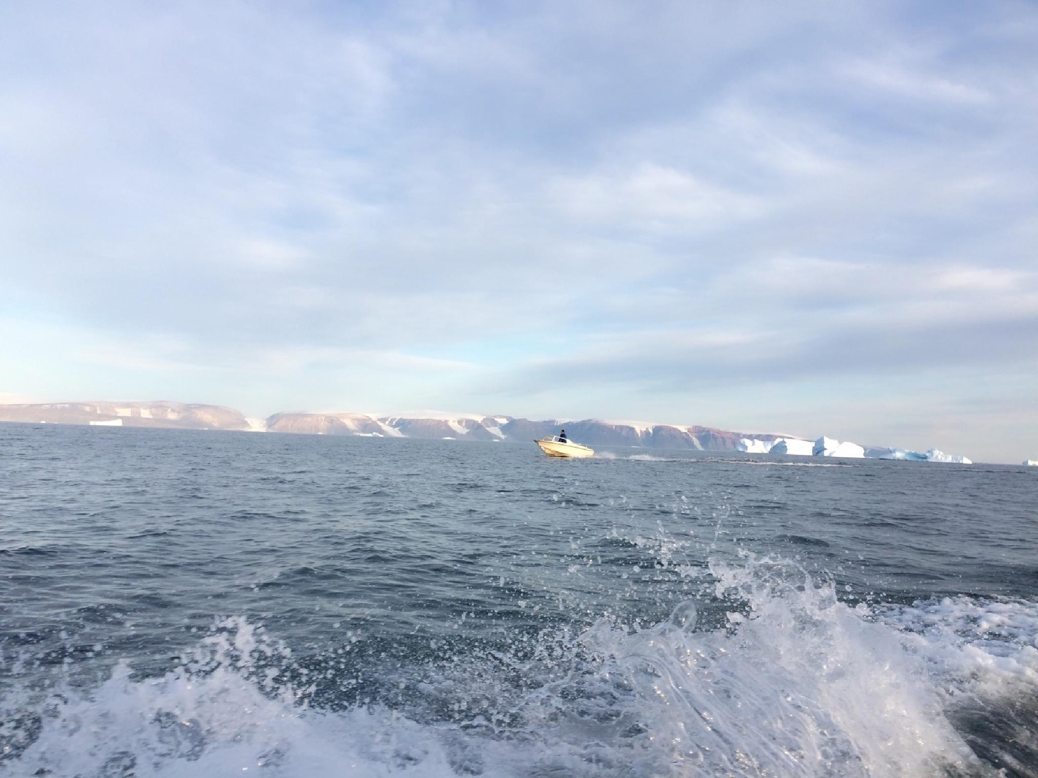 boat go home to Qaanaaq by K.Gundel