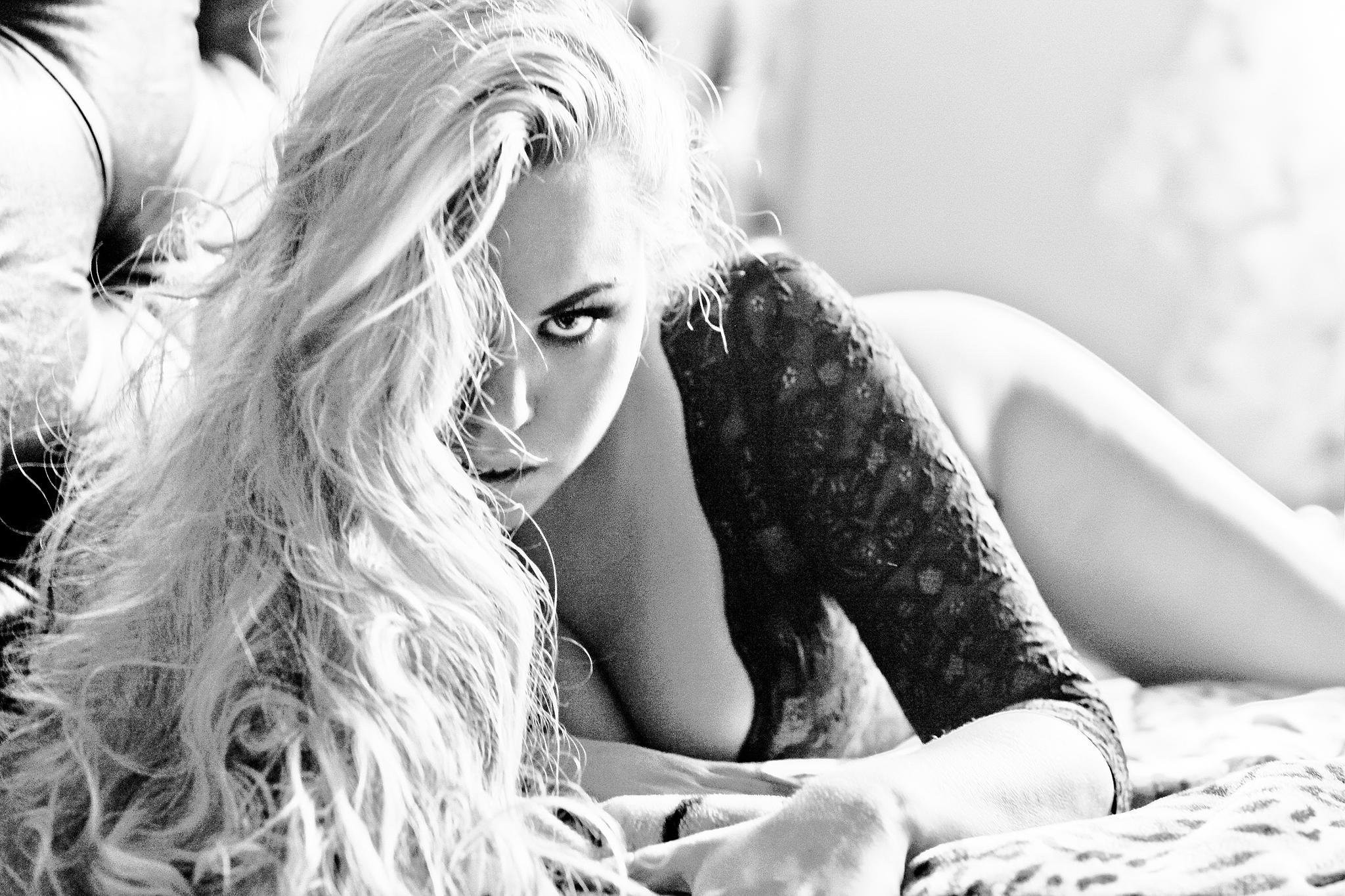 Blonde by Mila Ritz