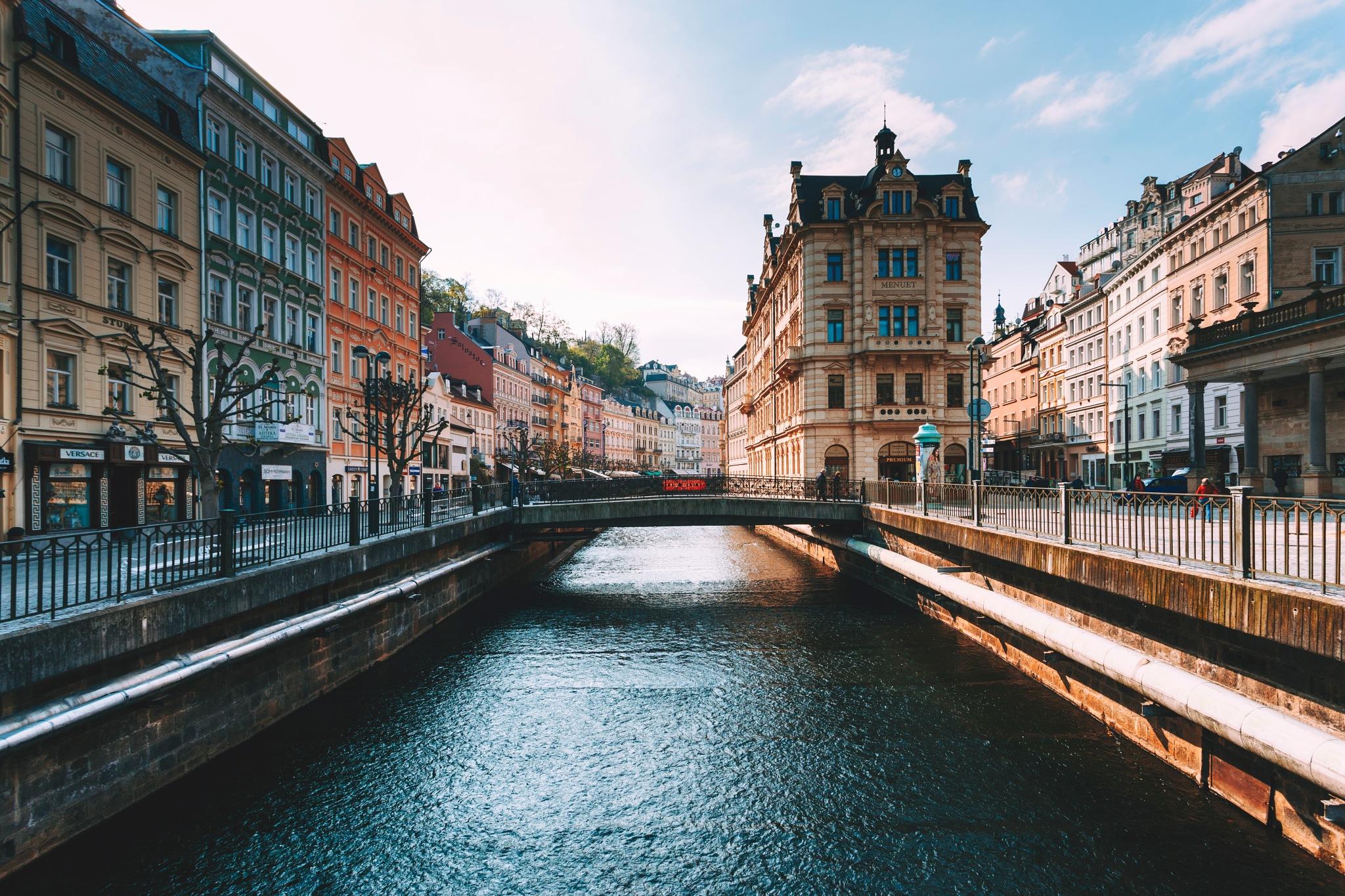 Karlovy Vary by Kuba Szymik