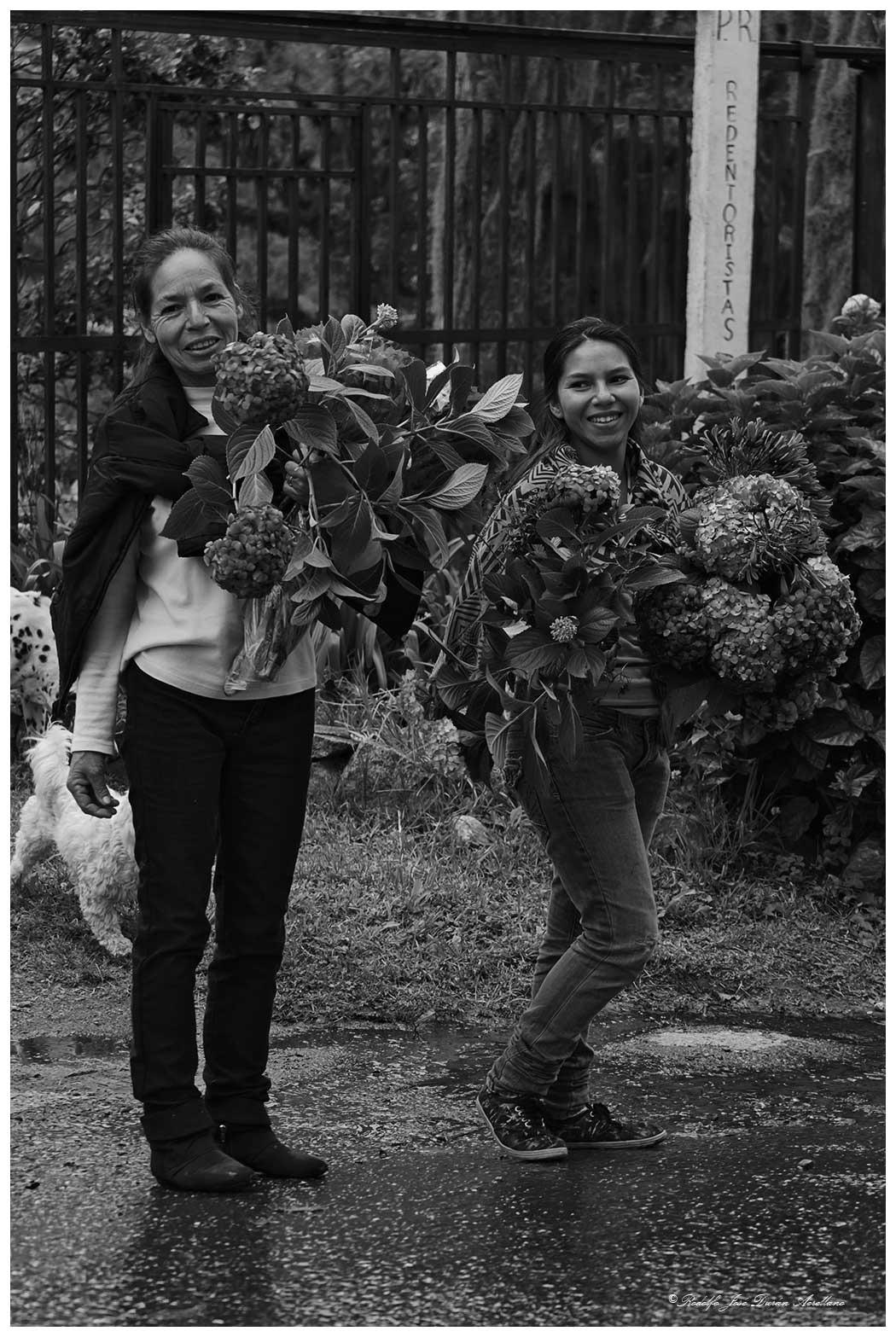 dos ramos de flores...... by Rodolfo José Durán Arellano