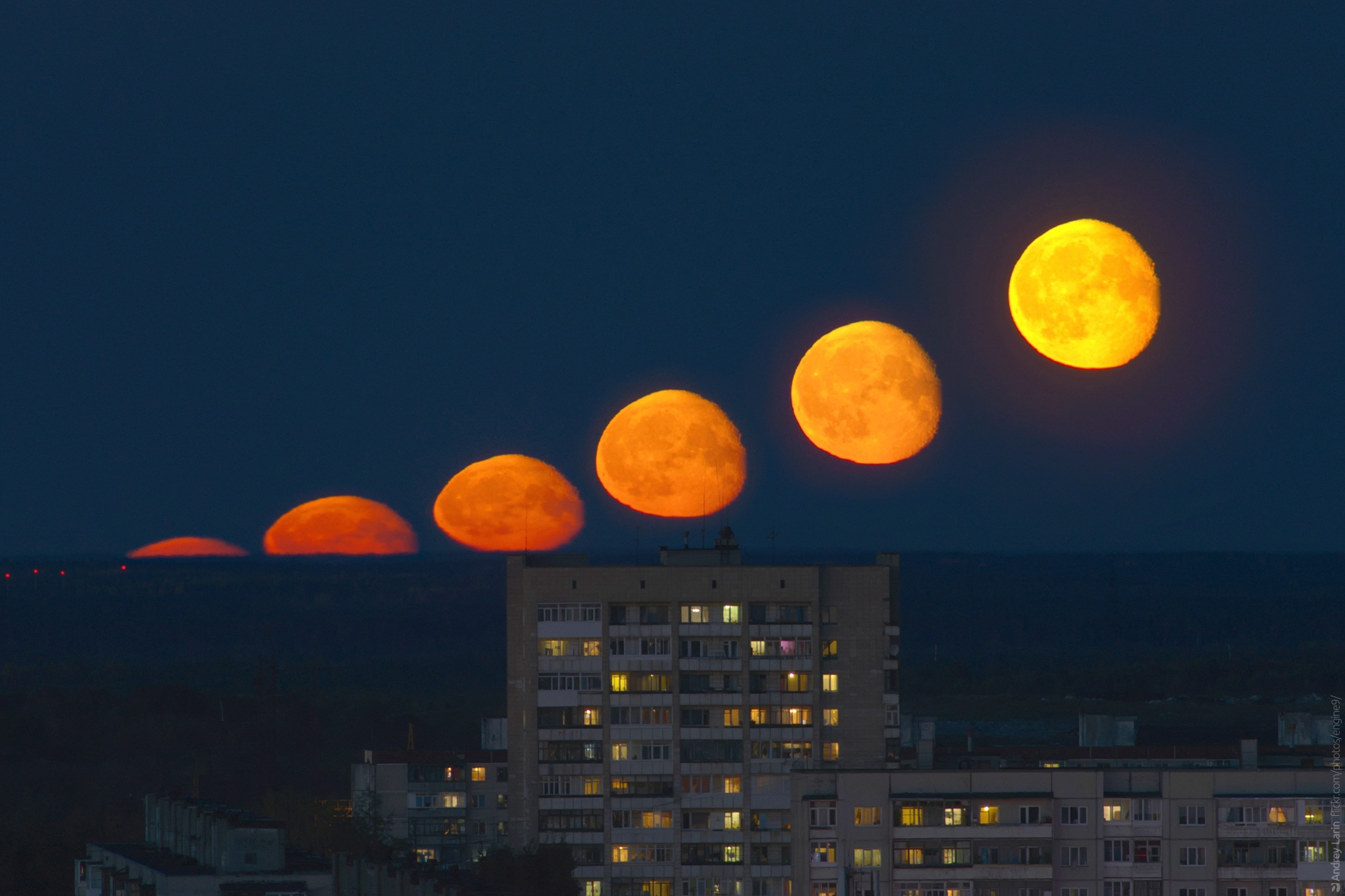 Moonrise by engine9