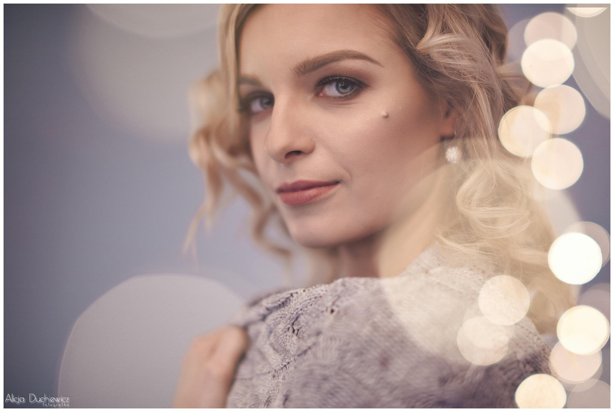 Just Smile by Alicja Duchiewicz-Potocka