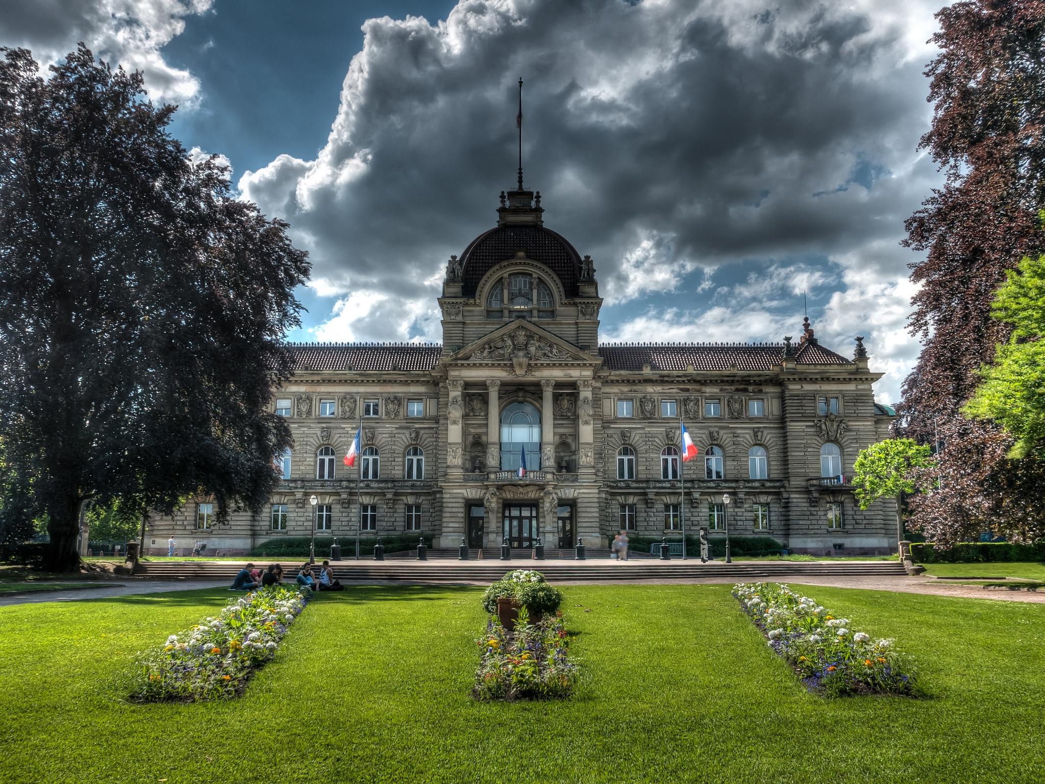 Photo in Architecture #france #strasbourg #palais du rhin #place de la republic #clouds #hdr #architecture #city #palace #sunny #cloudy #garden #flowers #green #german #german quarter #rhin