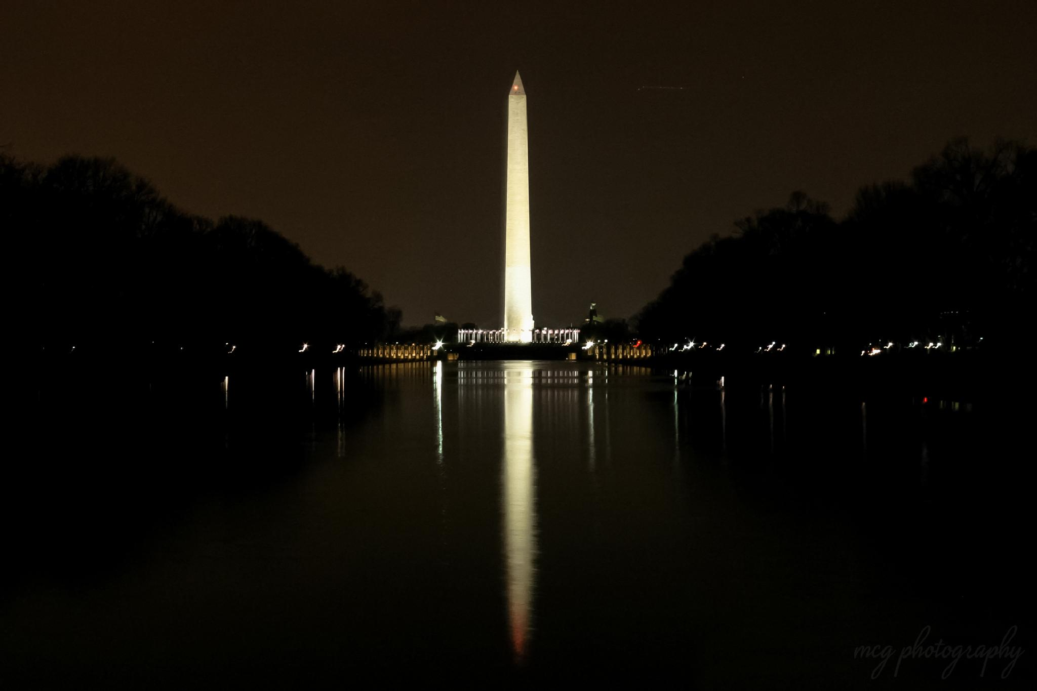 Washington Monument by mcgiddin