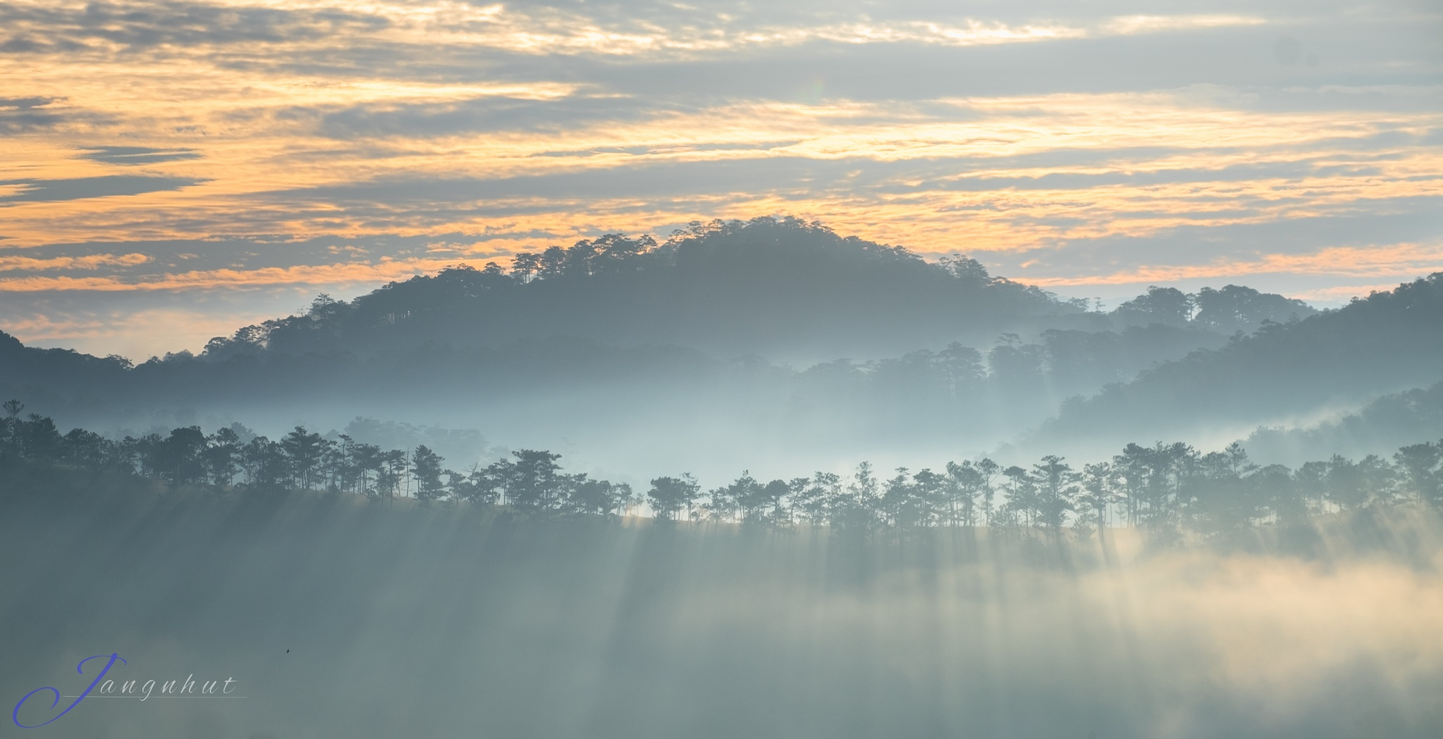 Morning rays by Jangnhut