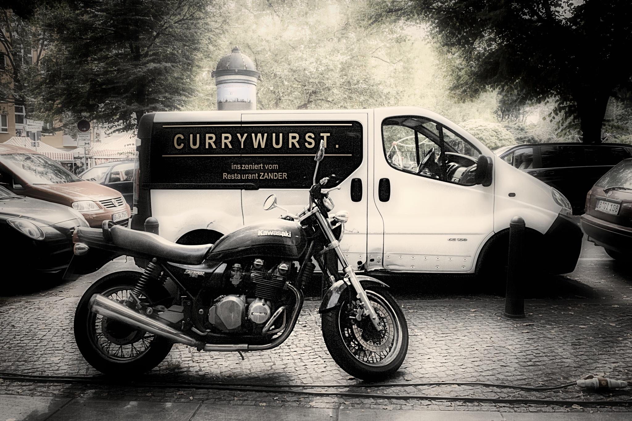 ...  die Inszenierung der Currywurst  ...   by Johannes Hauser