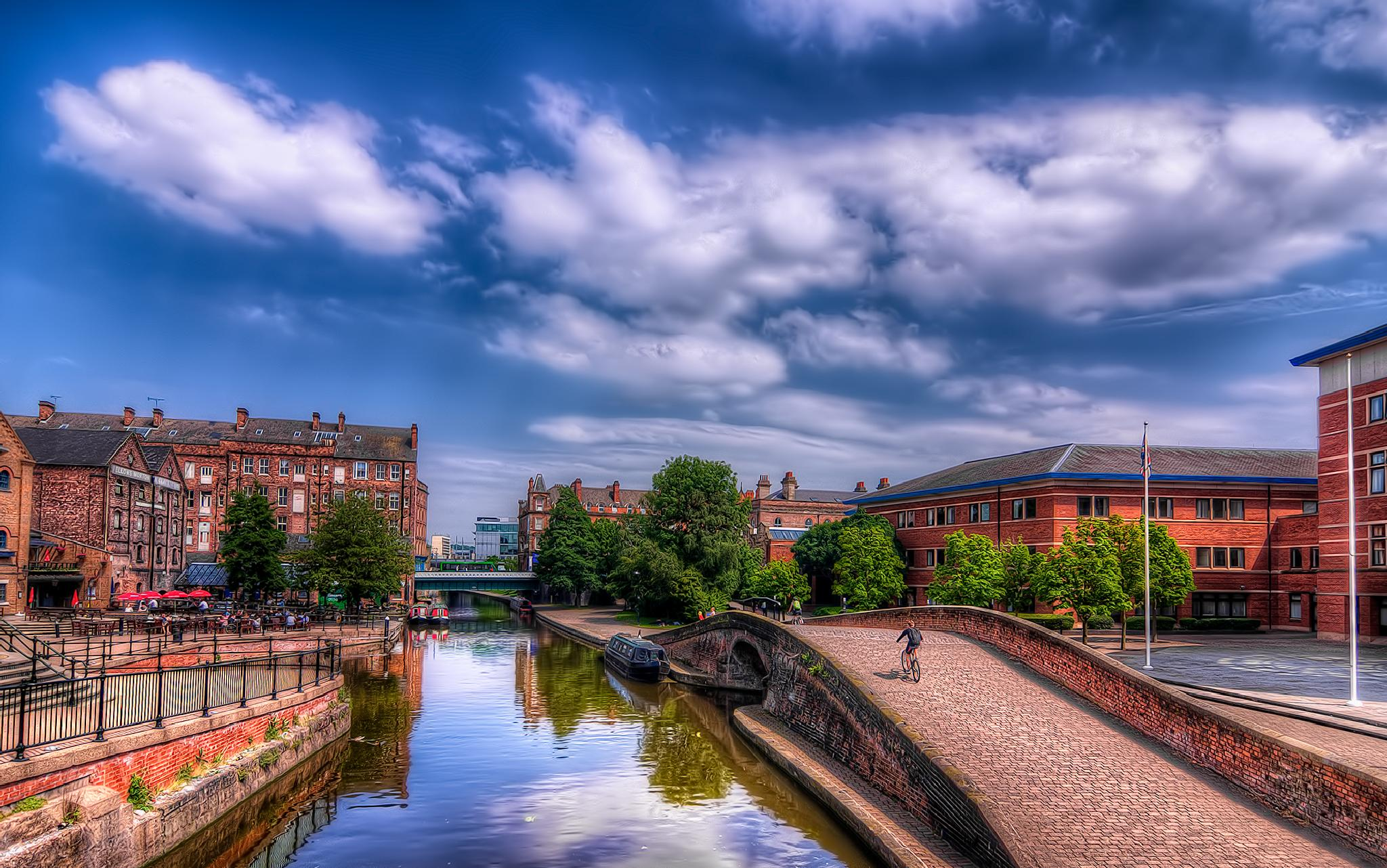 Nottingham Canal by Darrell Burnett