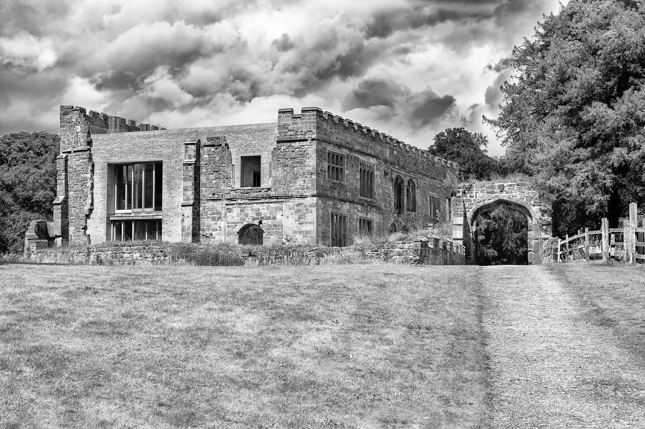 Astley Castle B&W by AlGurr