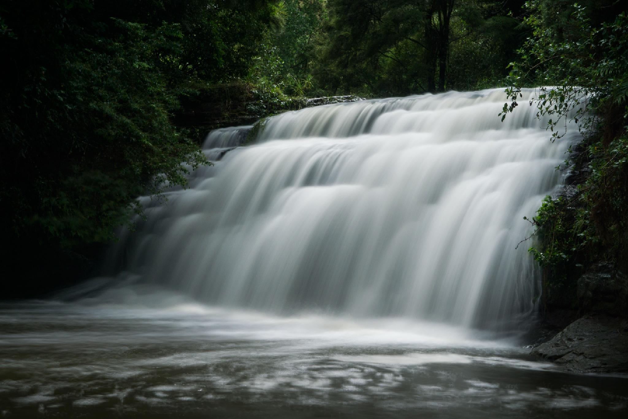 Lucas Creek Waterfall by Graham Averell