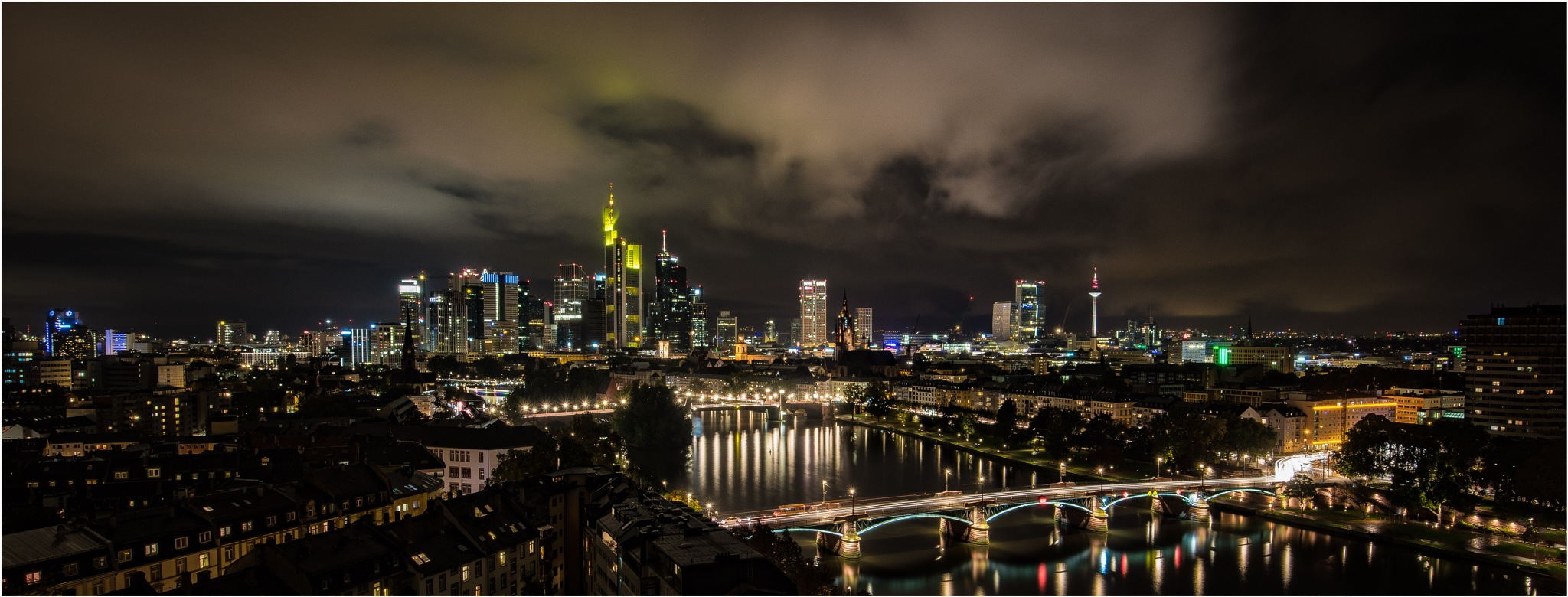 Frankfurt am Main by Dr. Ortwin Khan
