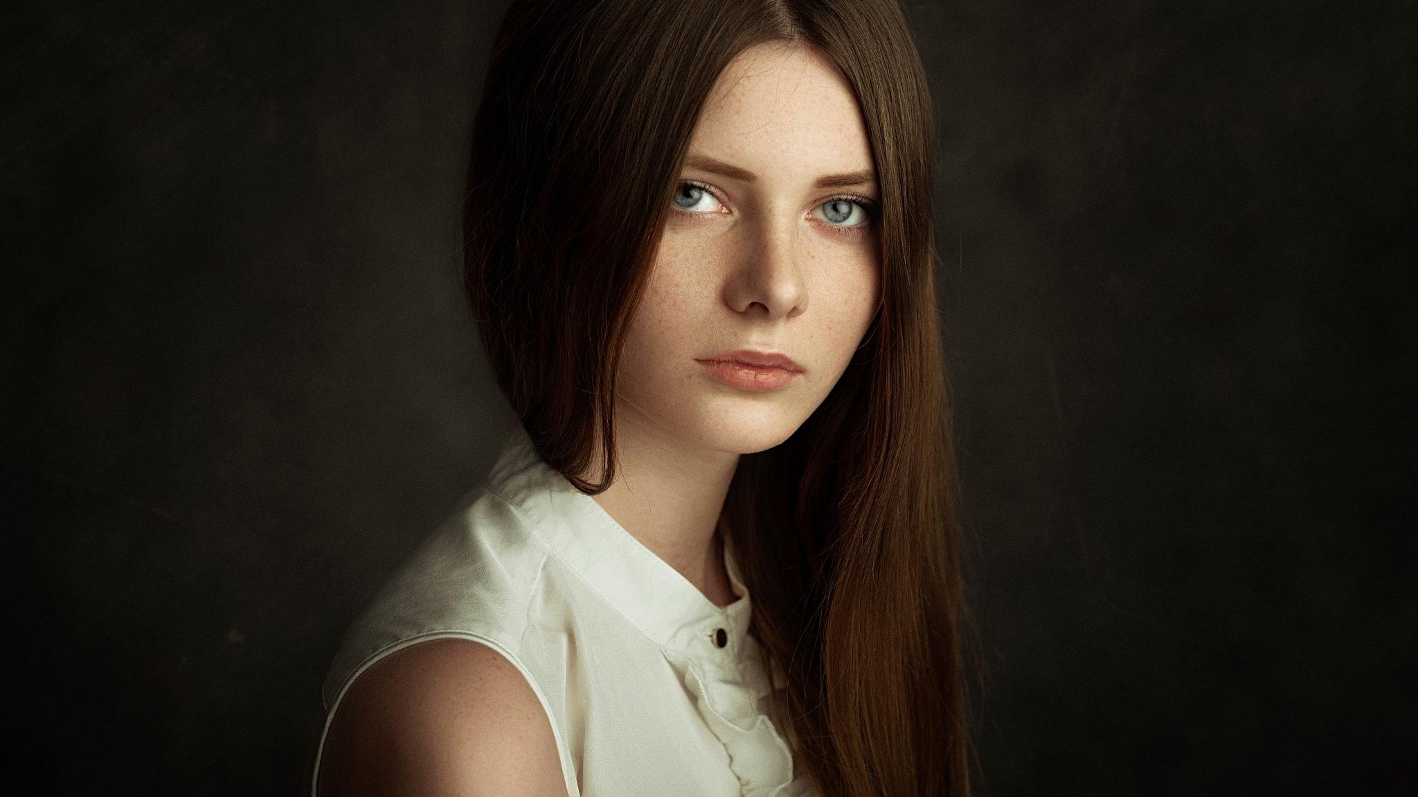 Elena by Pavel Cherepko
