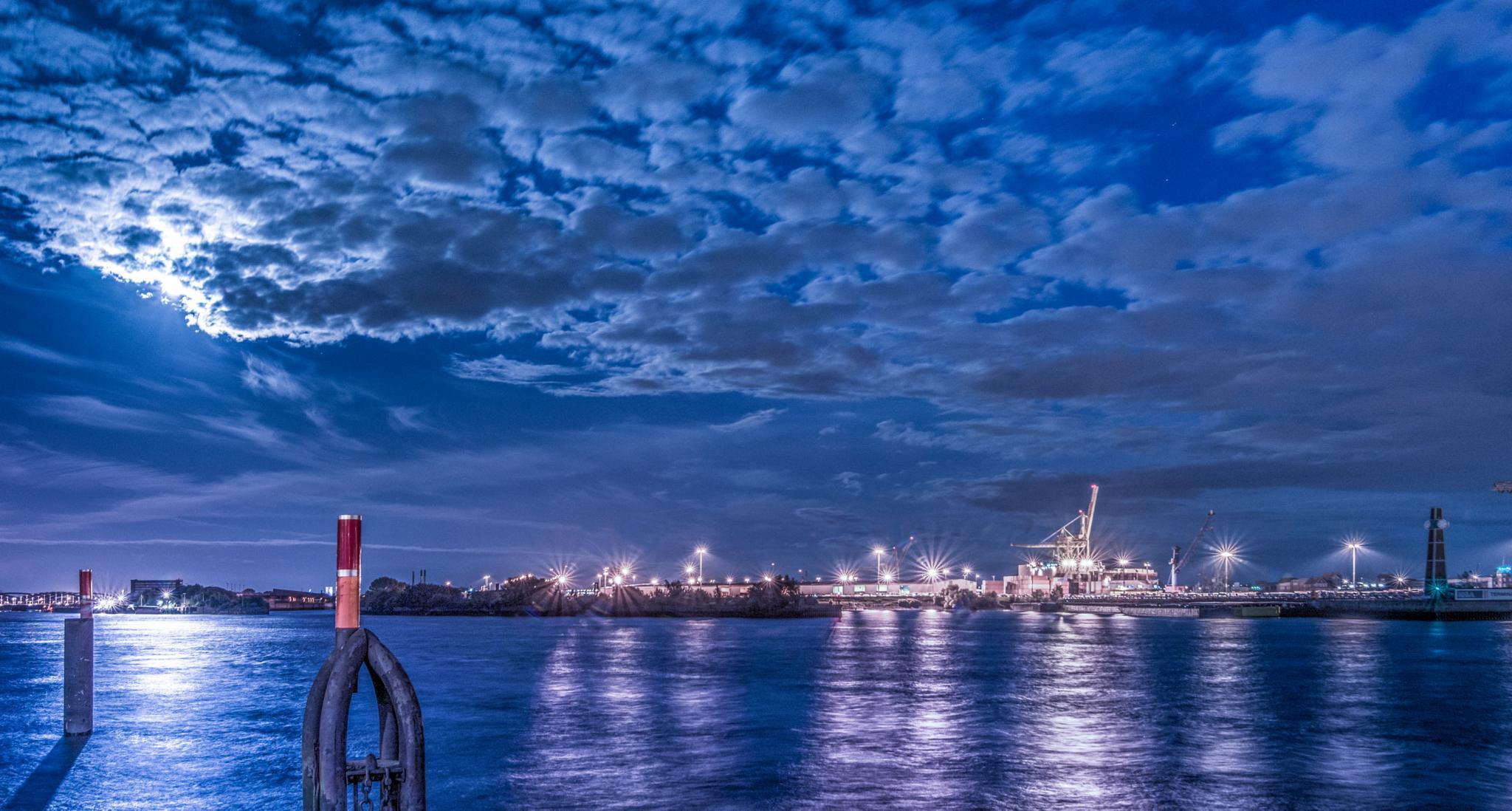 Hamburg Hafen - A walkthru by Jens Walter