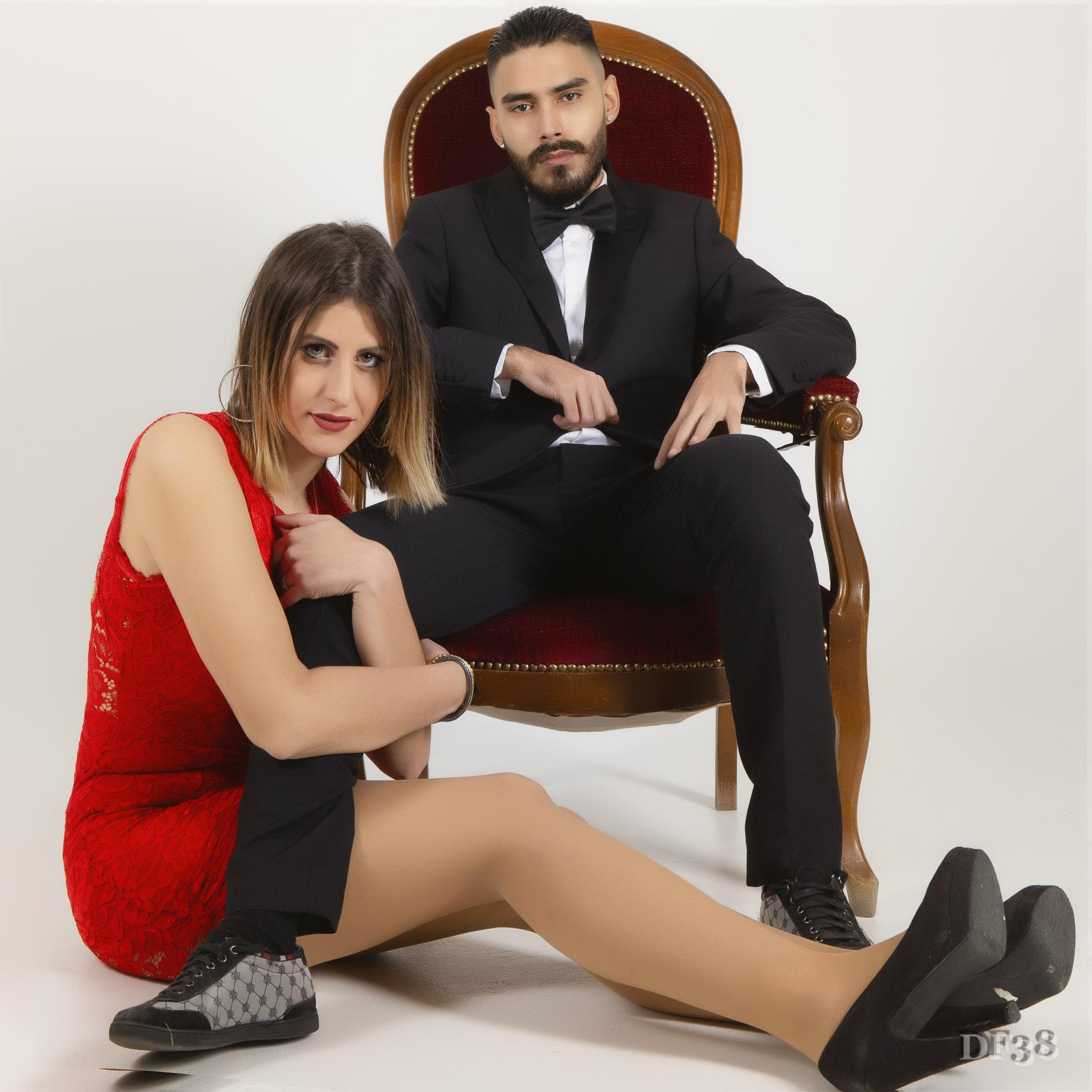 Photo in Fashion #couple #duo #fasion #mode #retro #df #df38 #df38photo #dusserre #rouge #sexy #glamour #chaise #barron