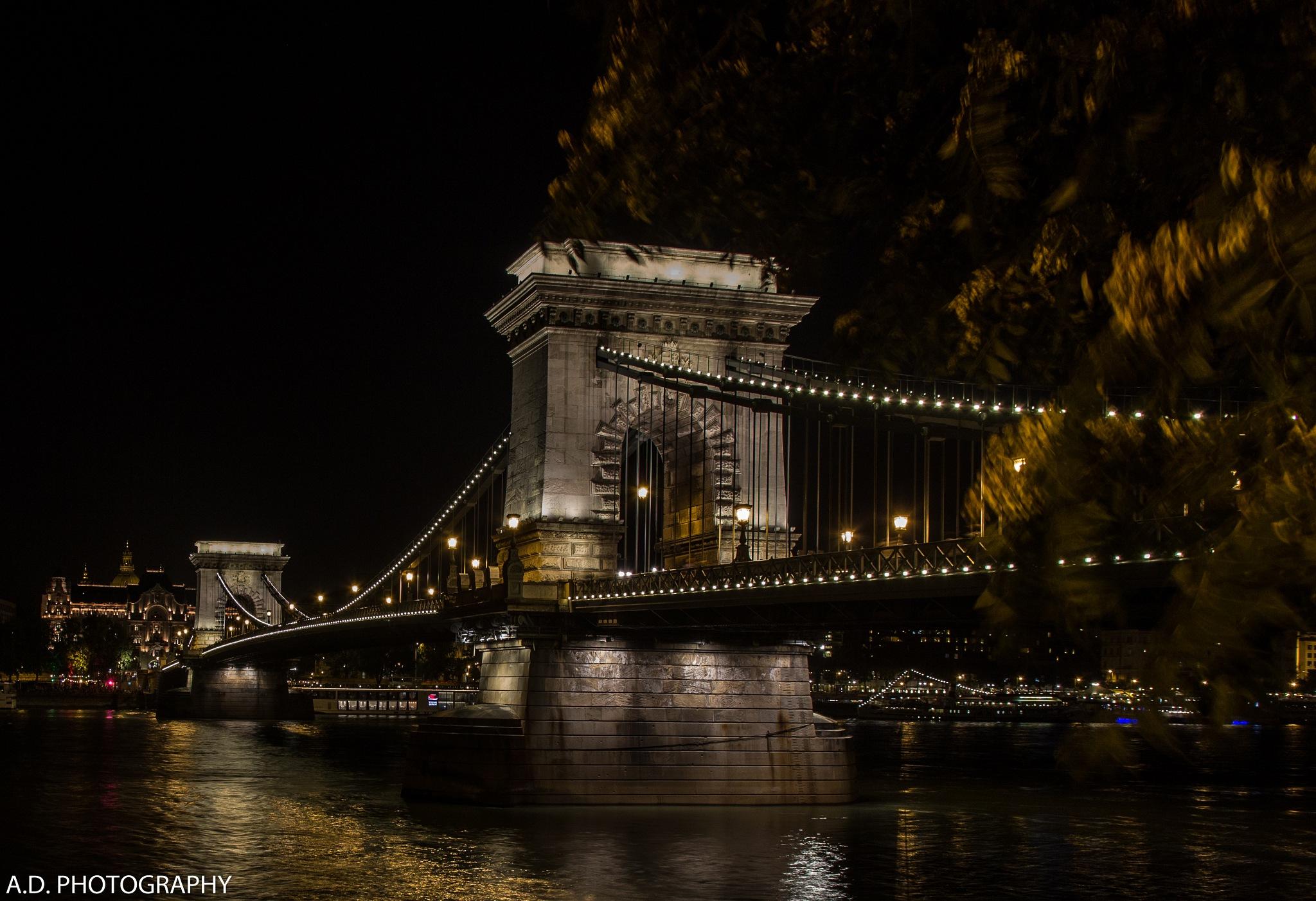 Budapest by Alain Deroef