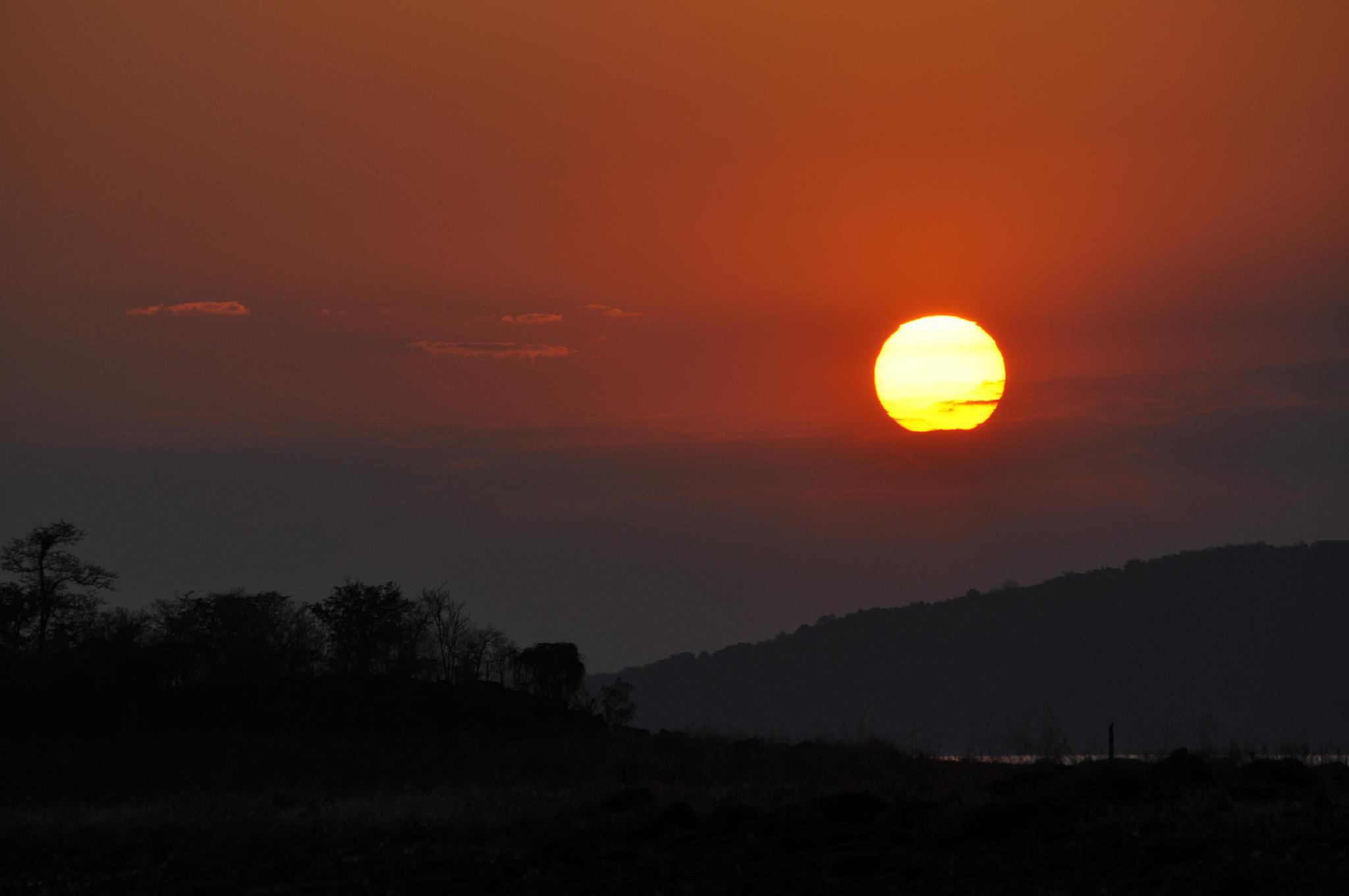 Sunset, Lake Kariba by Ian Harvey-Brown