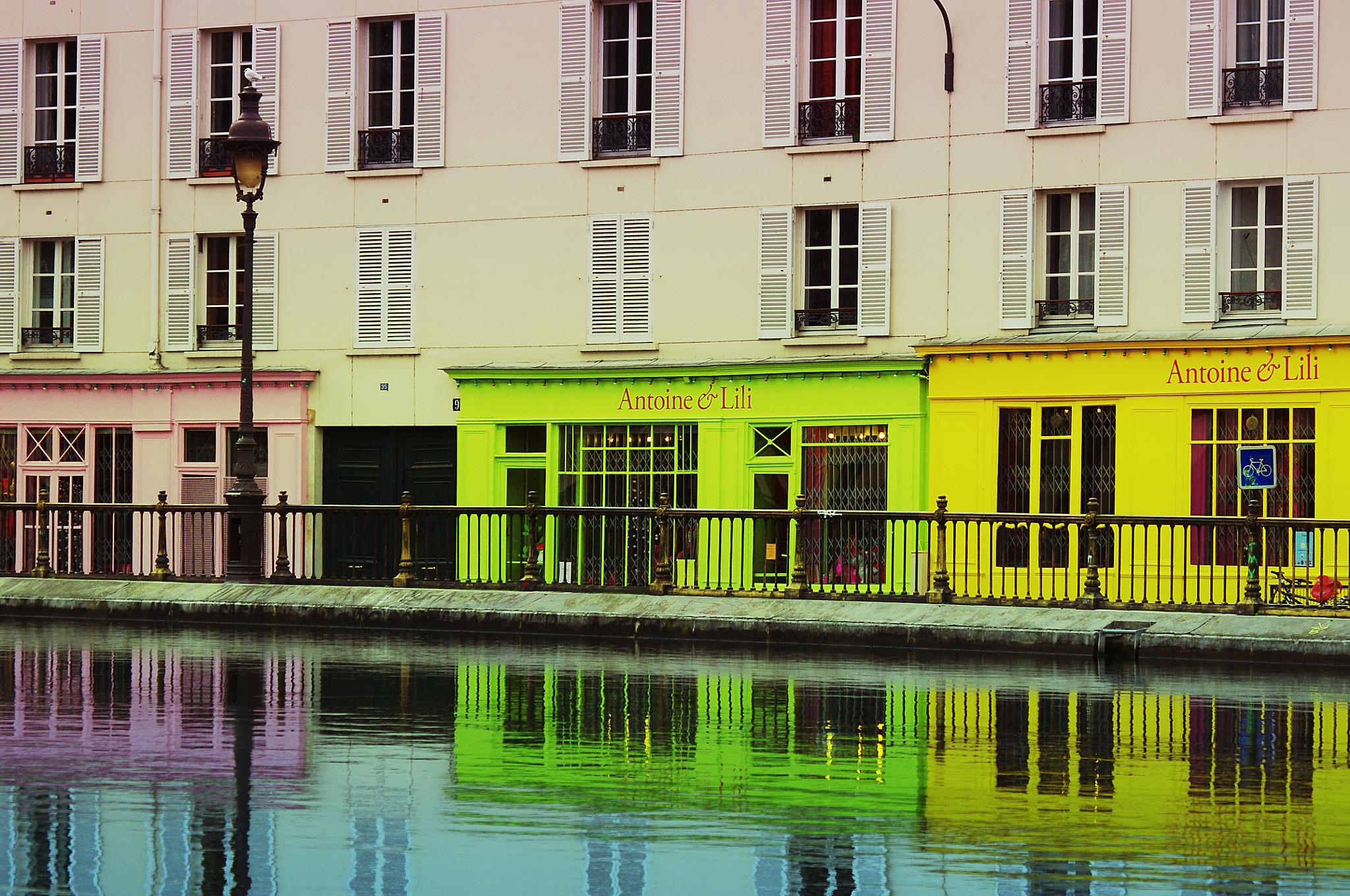 Canal Saint Martin by Bruno Gueroult