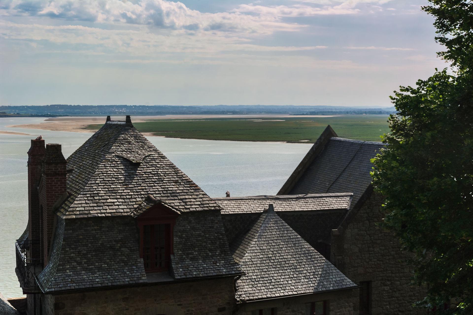 Roofs by Alexander Pugatschewski