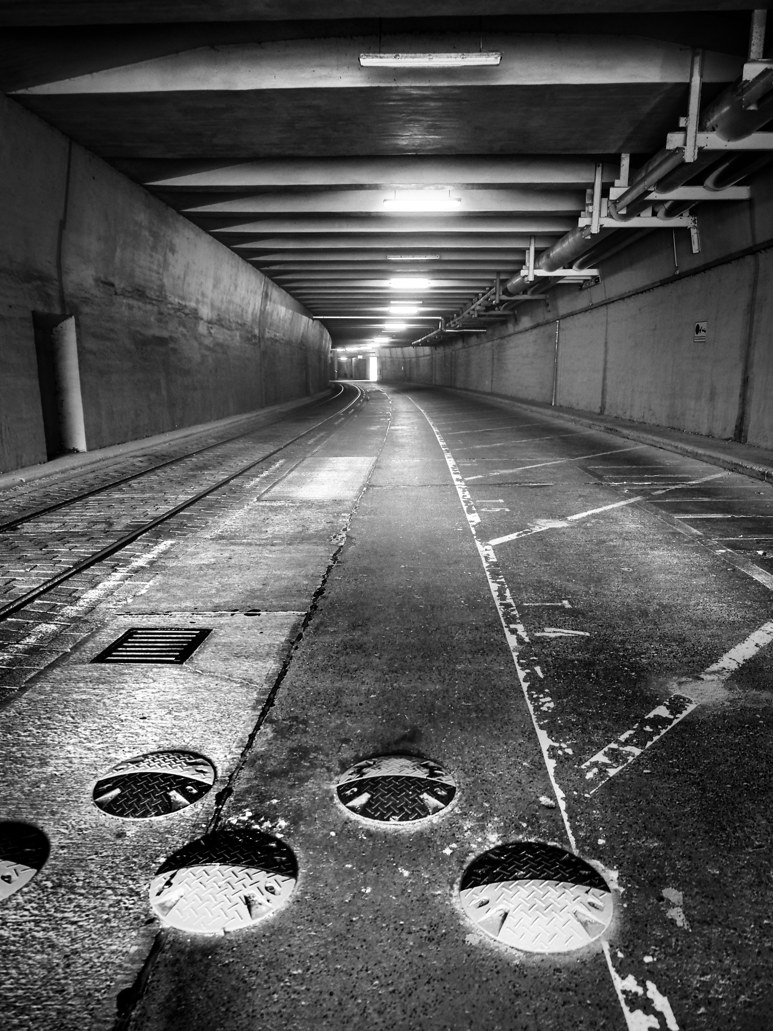 tunnel by Cit Pelo