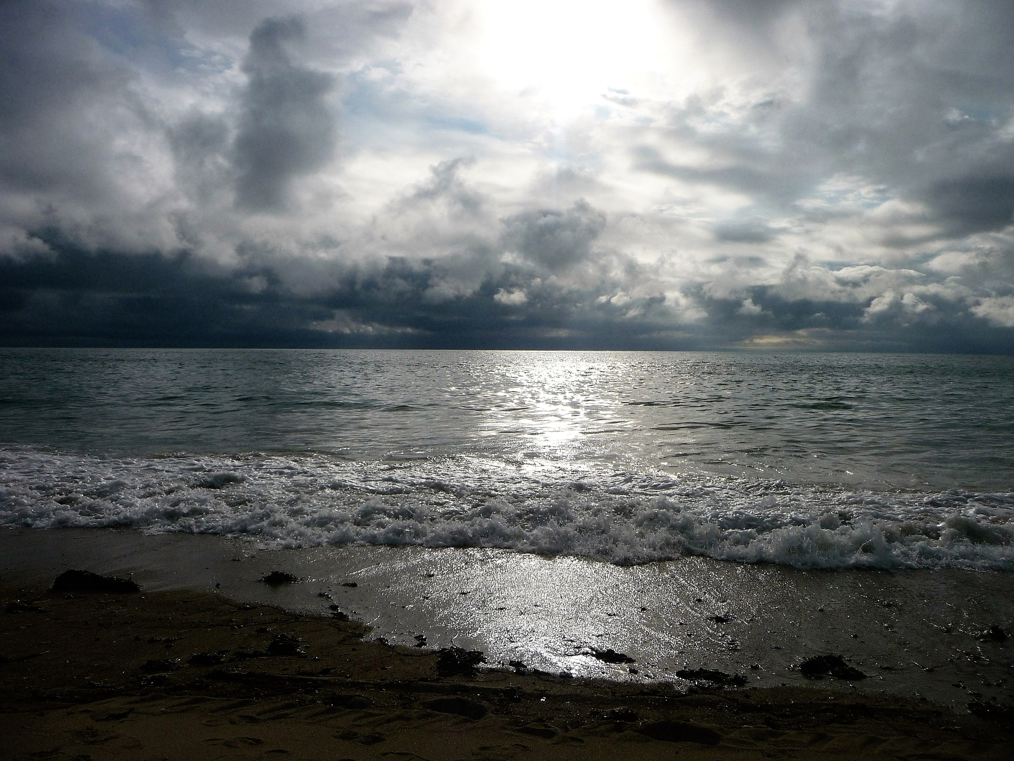 Sea grey sky by CorineFarin