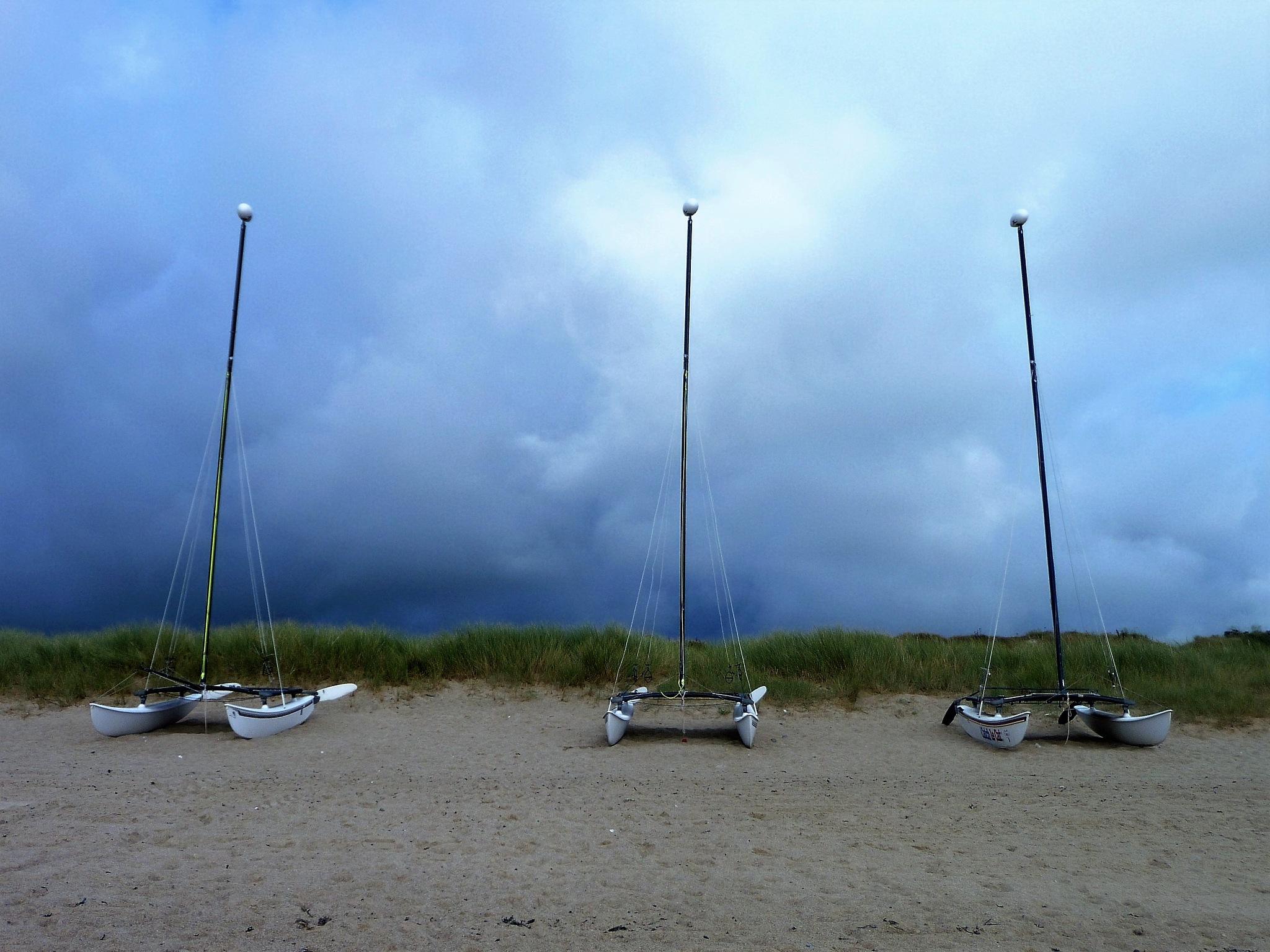 Three boats and grey sky by CorineFarin