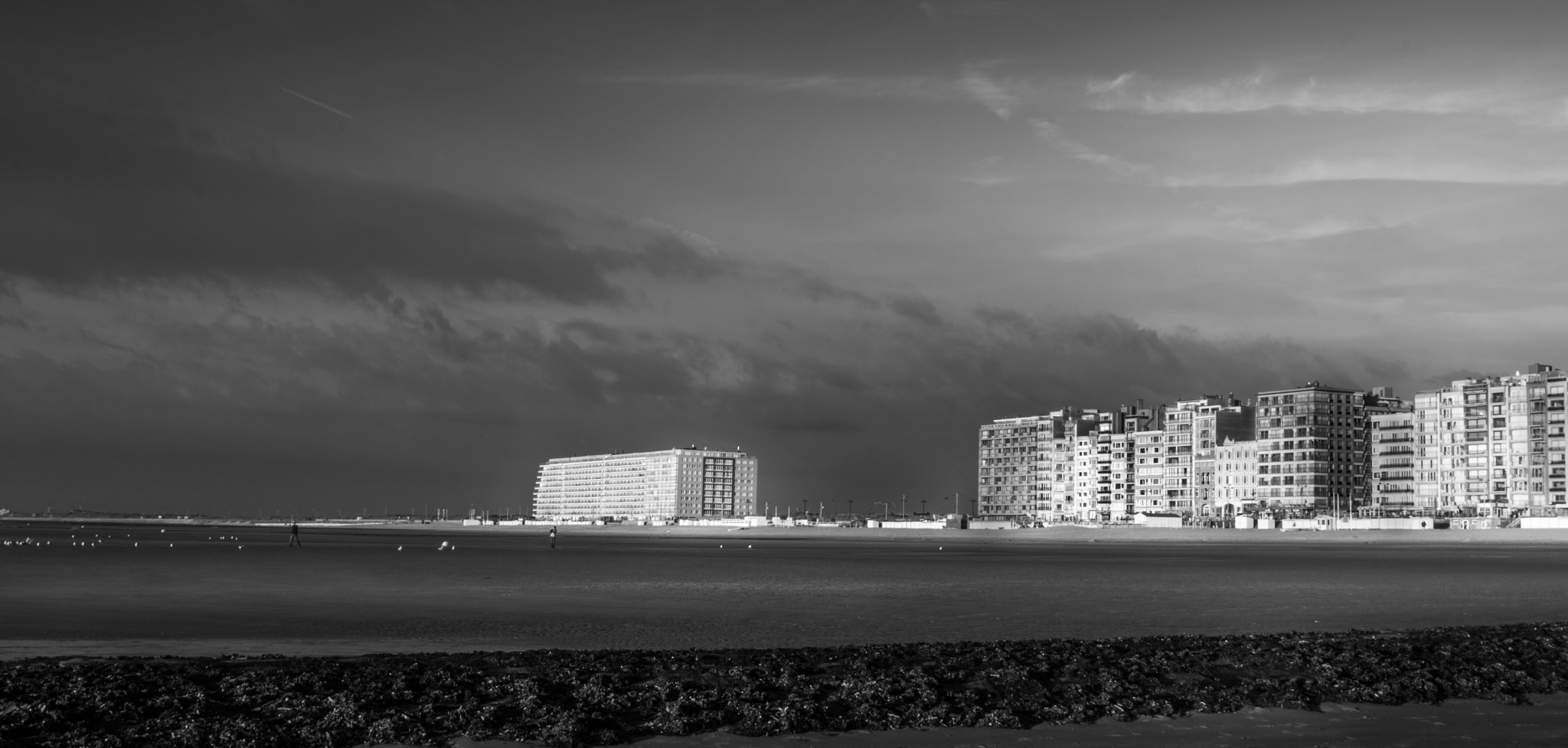 Evening falls over Nieuwpoort by ronin18