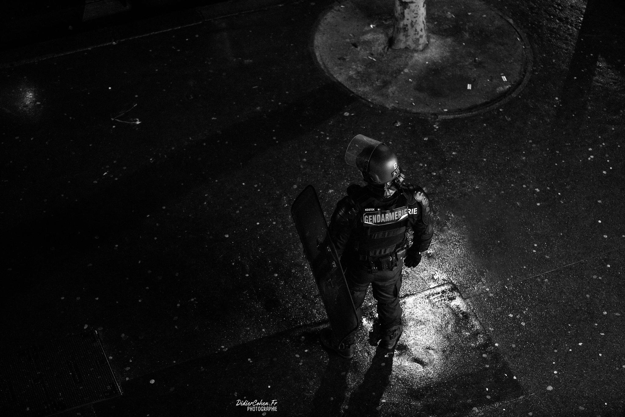 Paris Incidents Place de la République by Didier Cohen