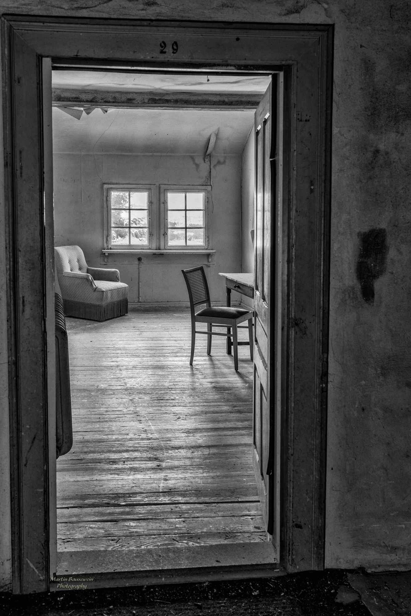 your special offer - room 29 by Martin Bausewein