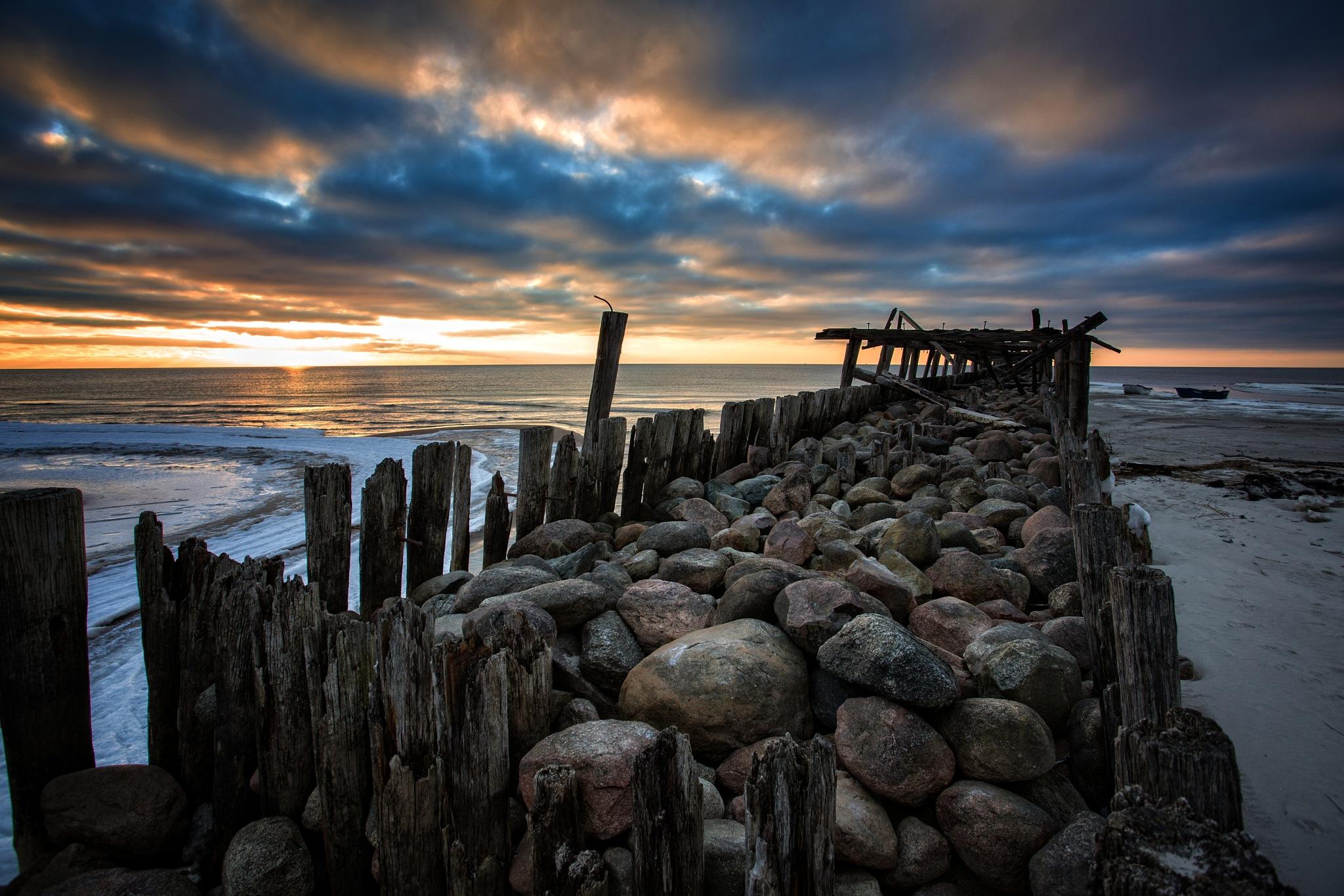 To the sea by DariusBirstonas