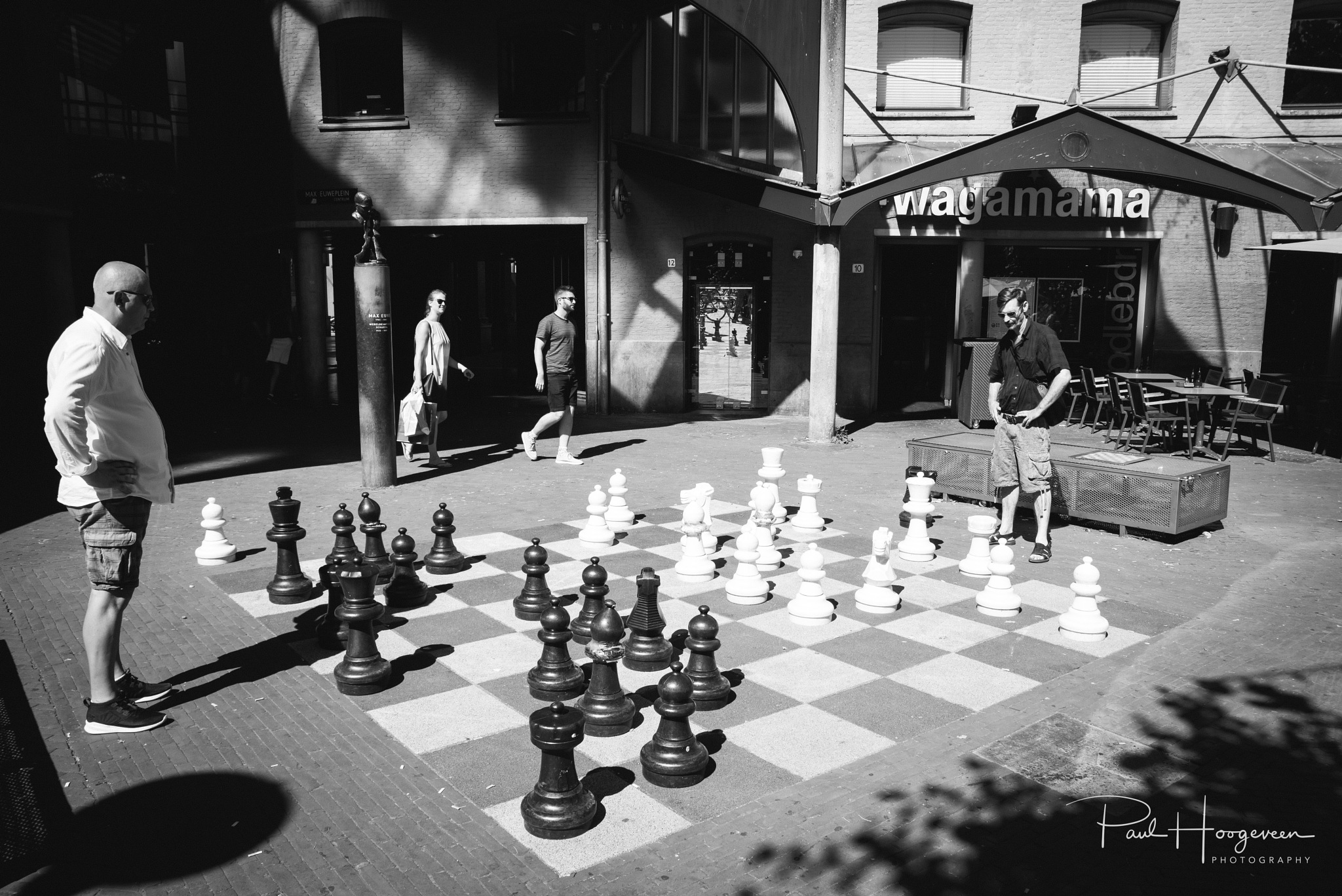 A game of chess by Paul Hoogeveen Photography