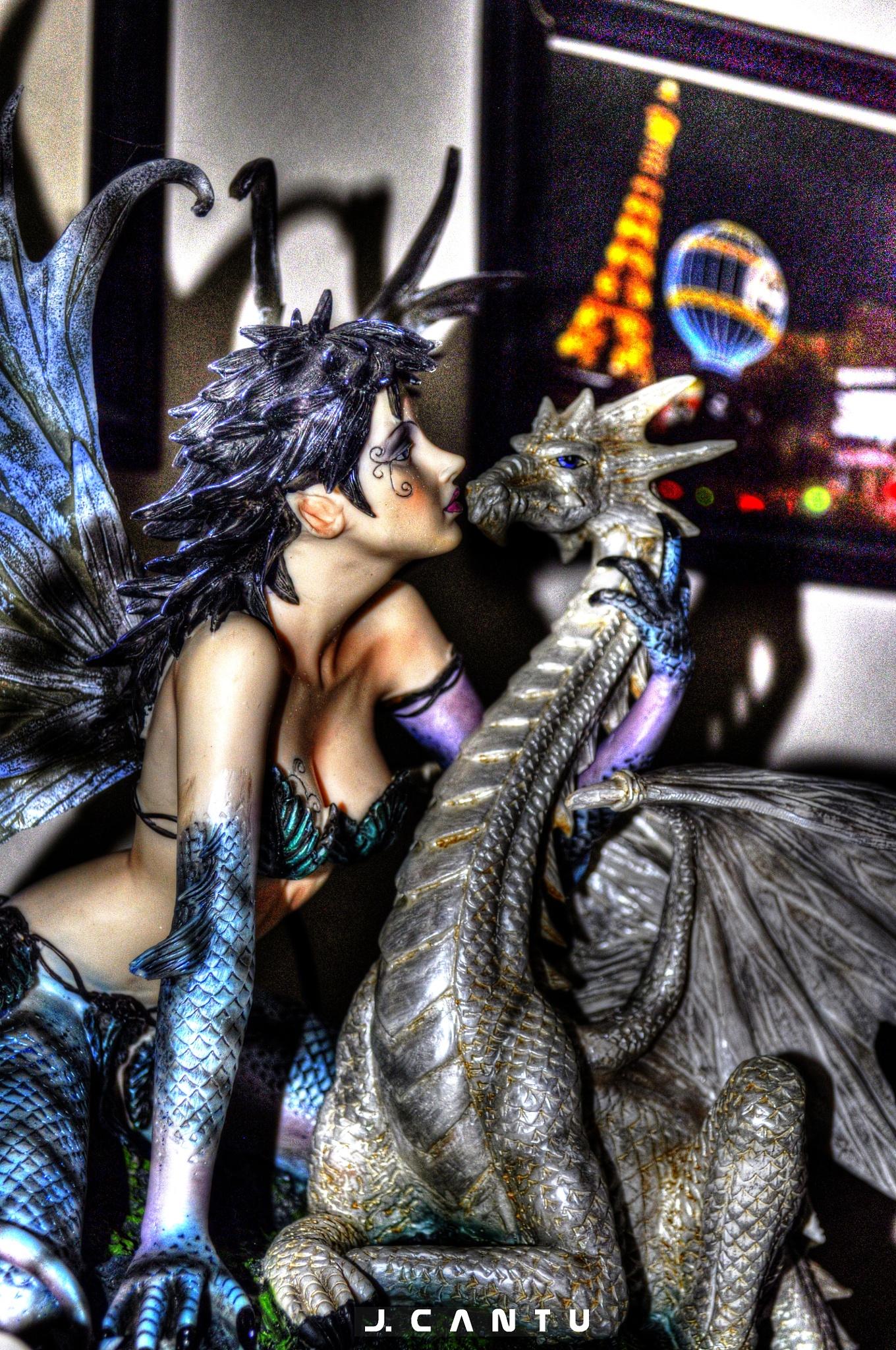 Kiss the Dragon........ by Jaime Cantu