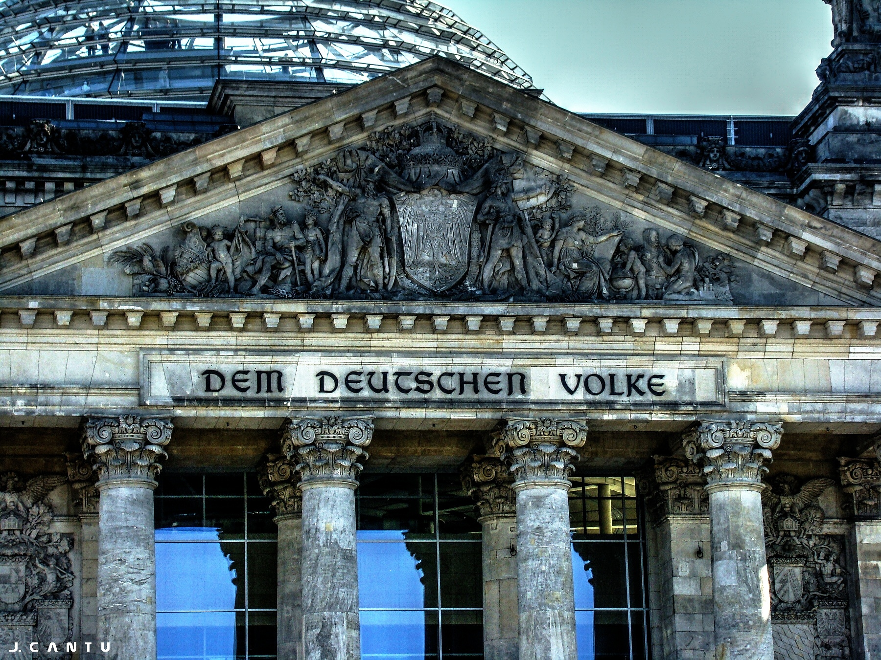 Reichstag Building by Jaime Cantu