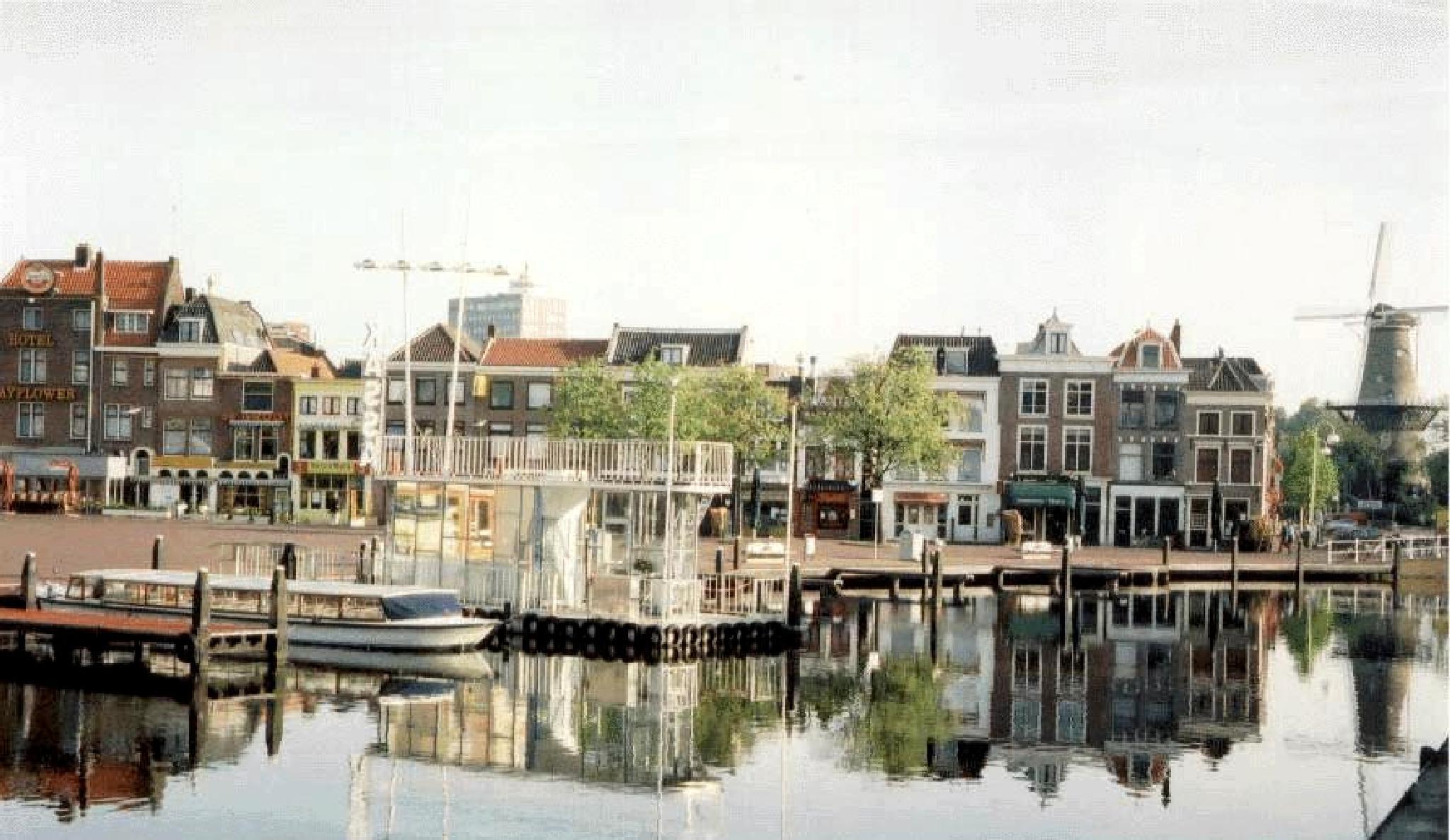 Holland by Jaime Cantu