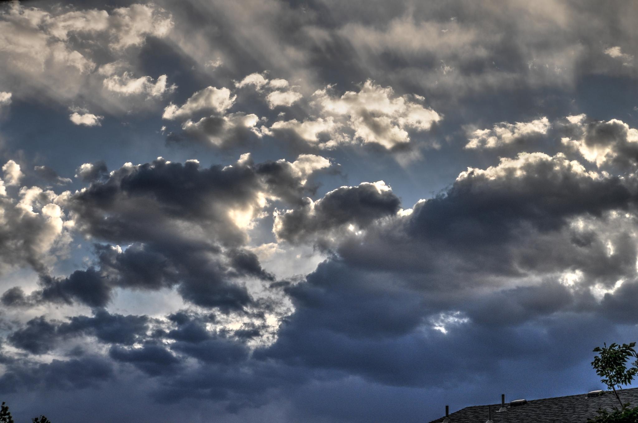 Cloud's by Jaime Cantu