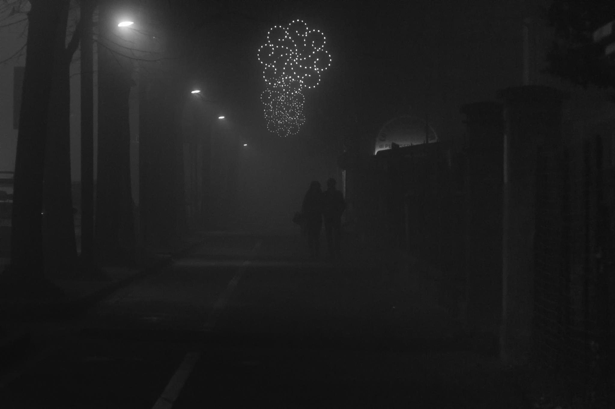 Lovers in the mist by FrancescoPala