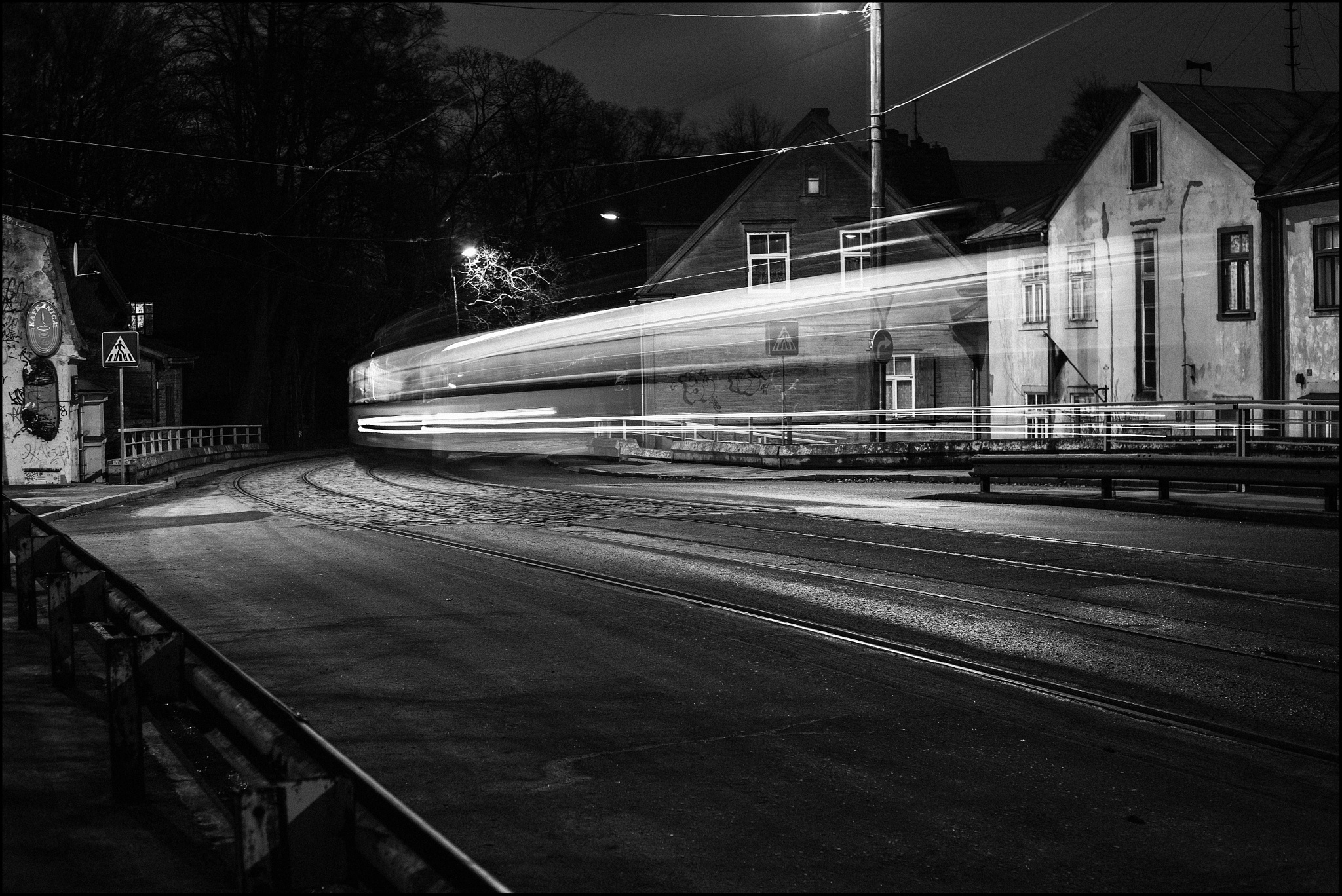 Night Tram by IndarsVetrajs