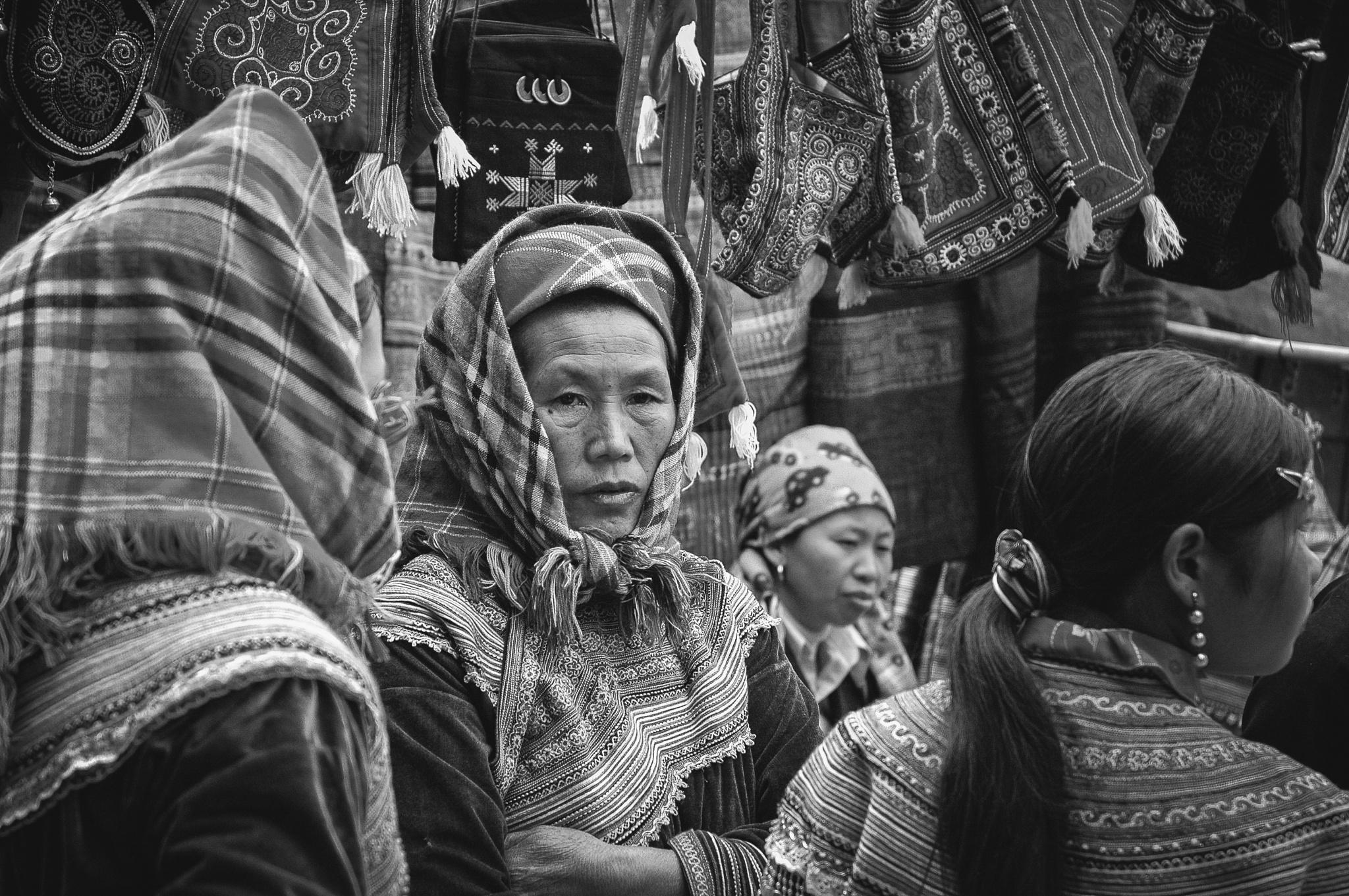 Sapa market by Sébastien Casters