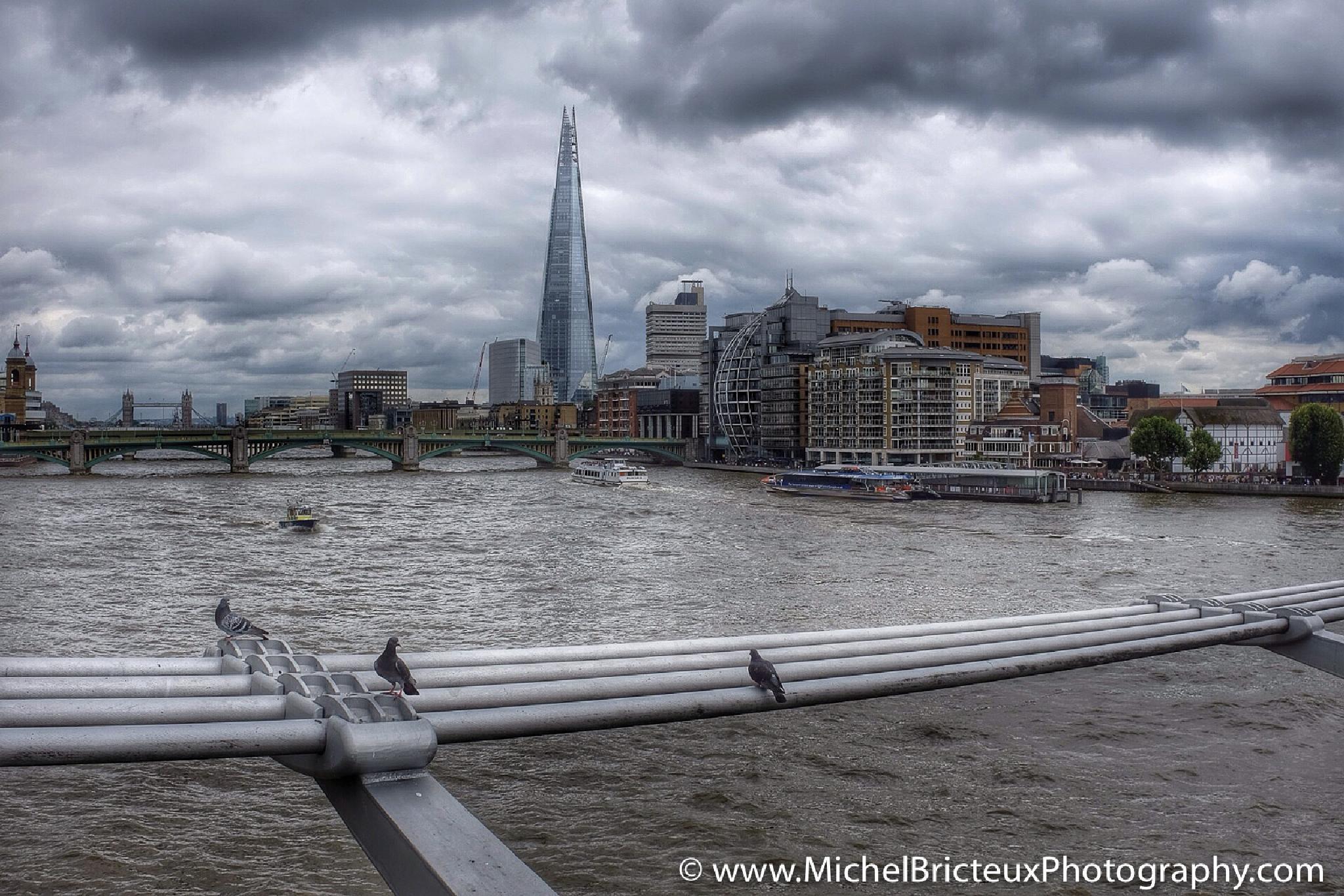 London, UK by Michel Bricteux