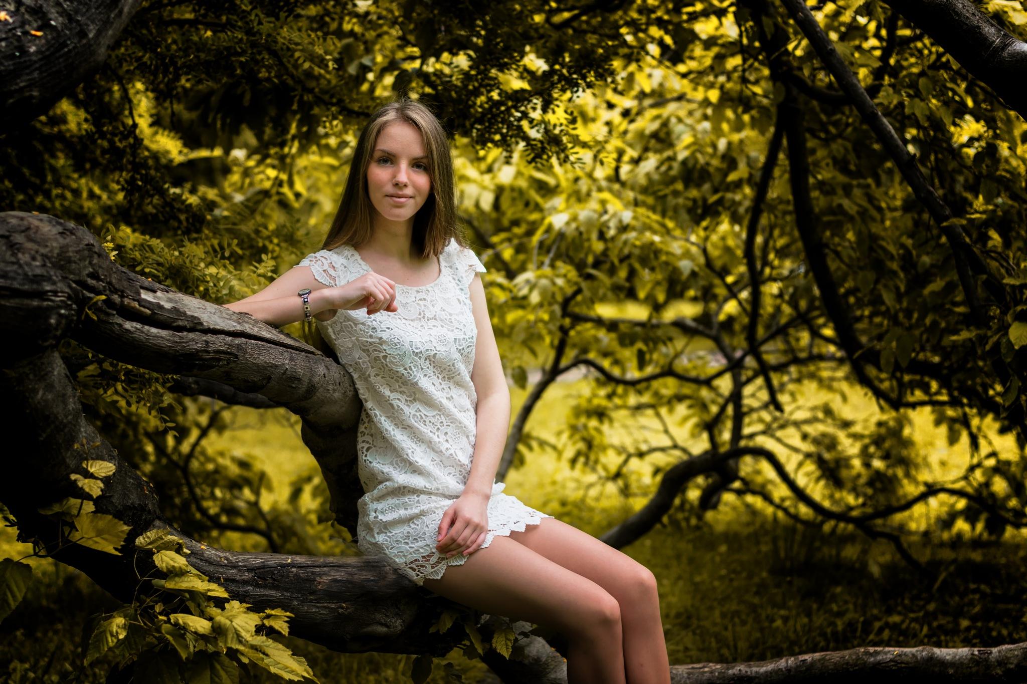 Juliya by Roman Alyabev