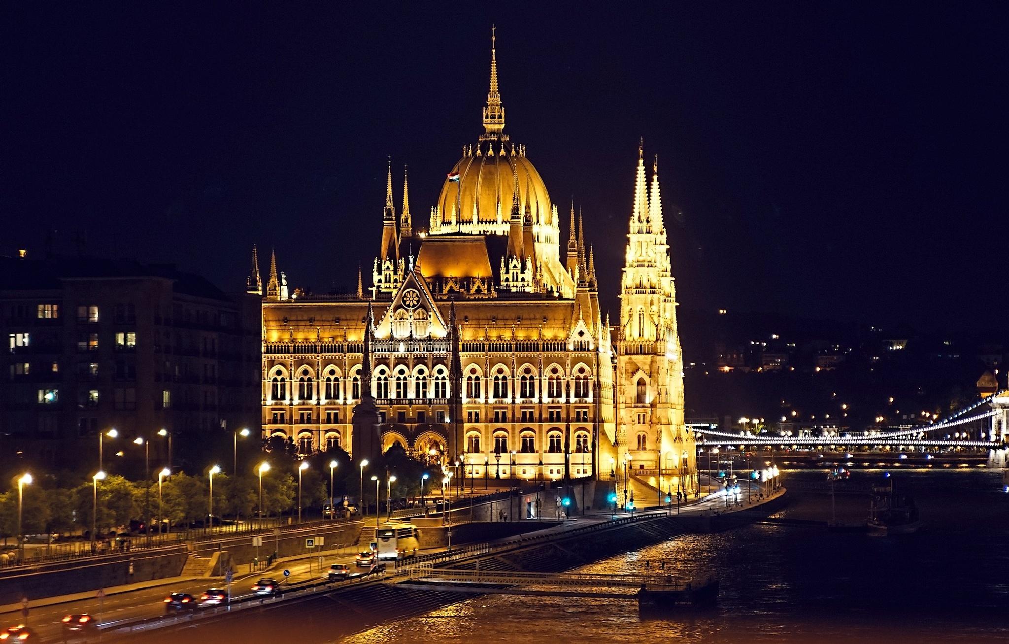 Budapest Nights by WolfgangH