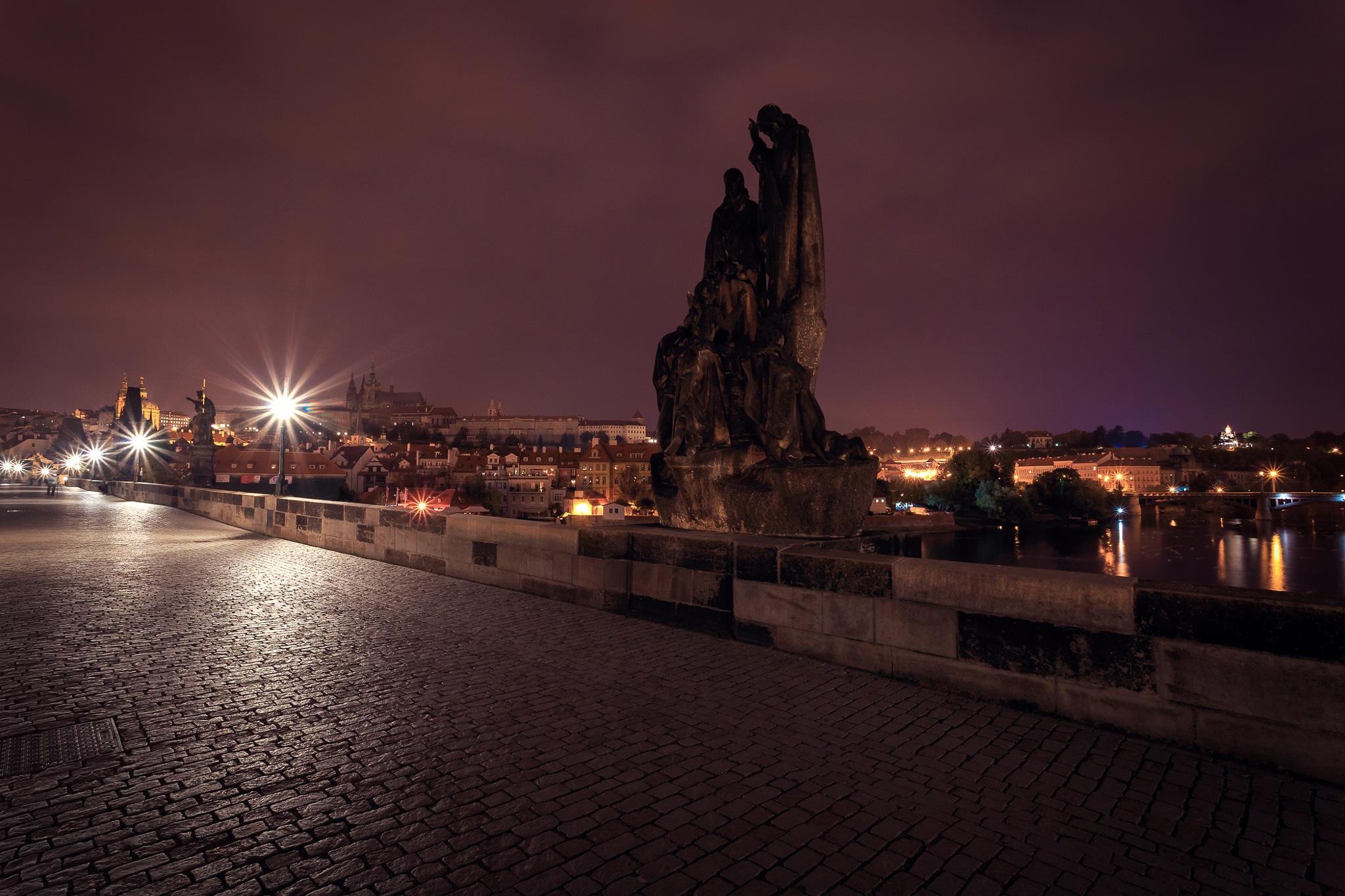 figure on Charles bridge by vladimirz