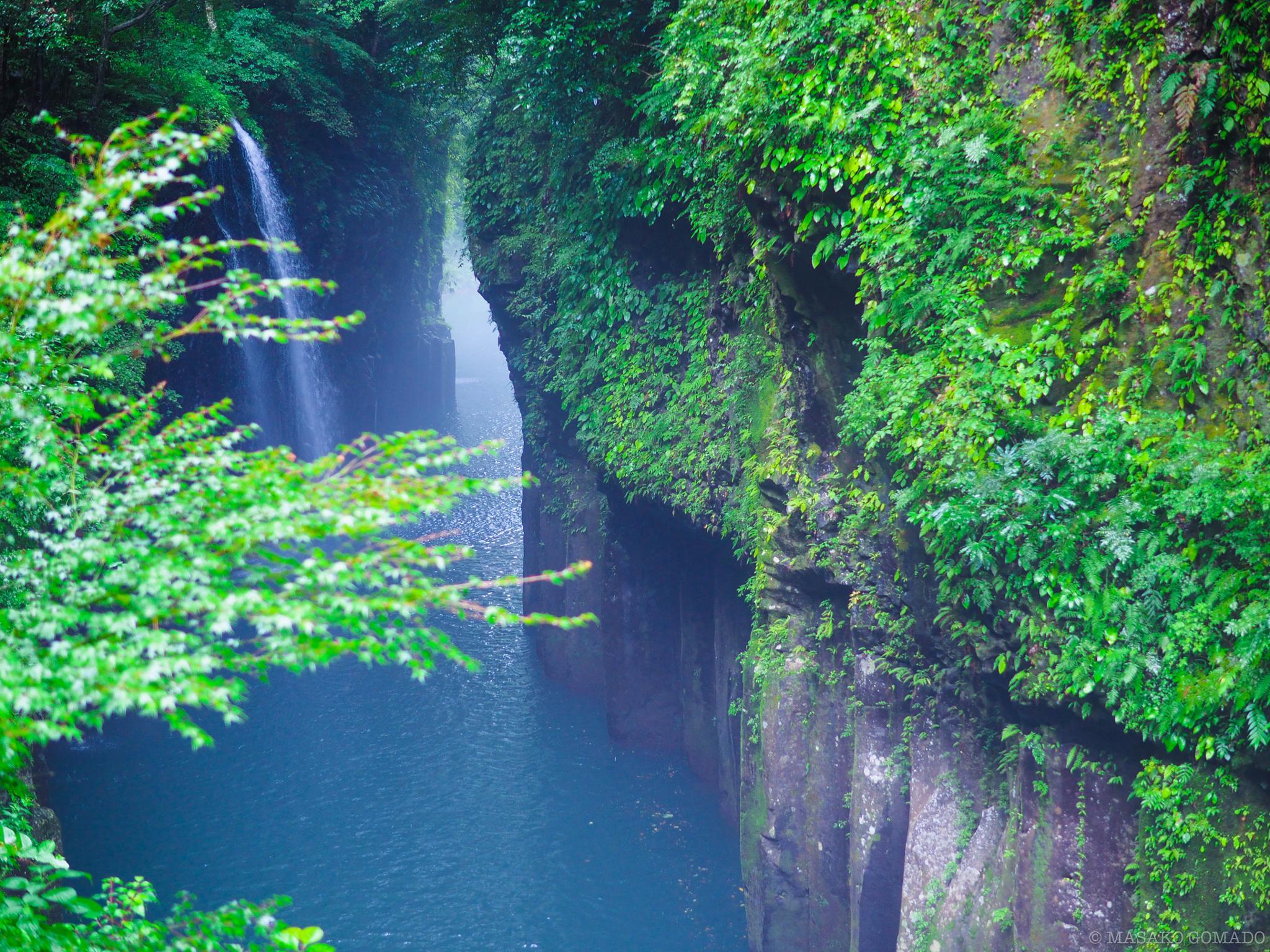 waterfall by Masako Gomado