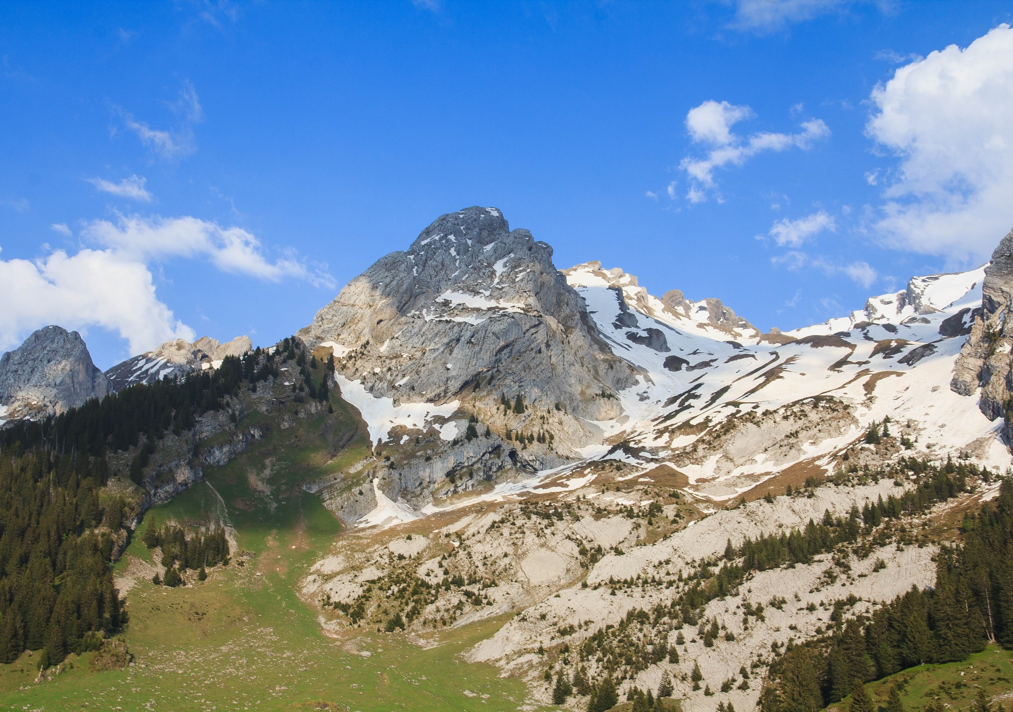 Mountains by David Cantos