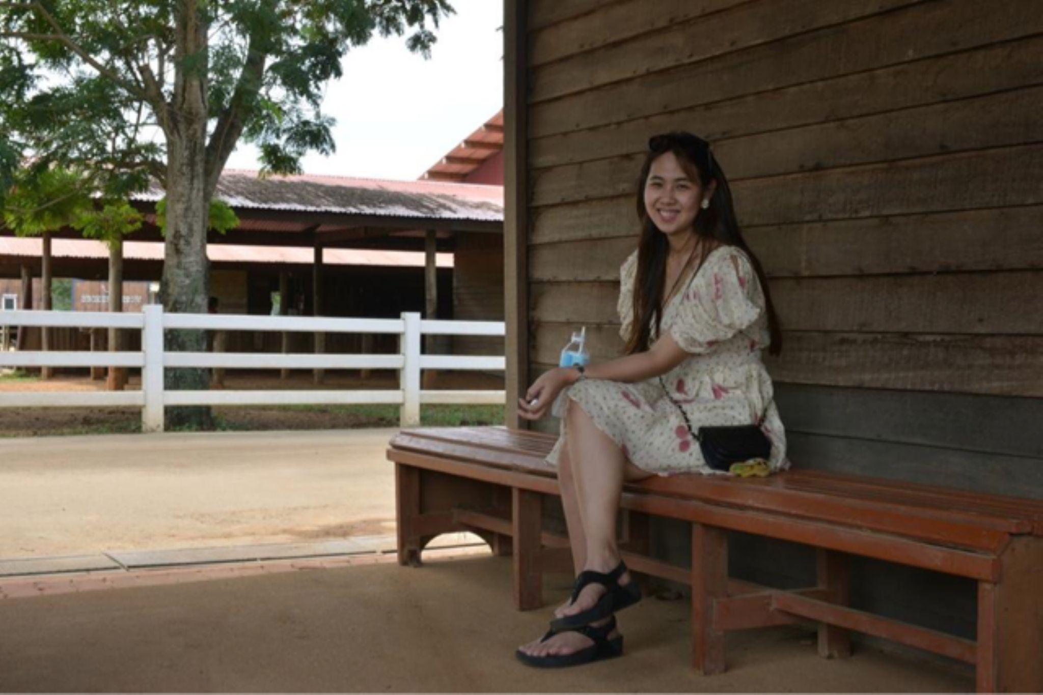 Thai smiling by Ho Cu