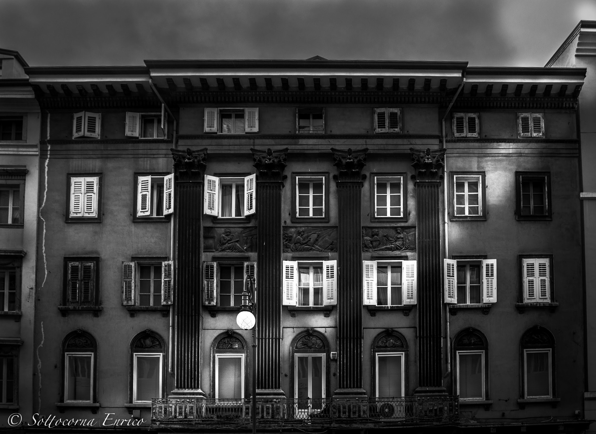 ..Palazzo a Trieste.. by enricosottocorna