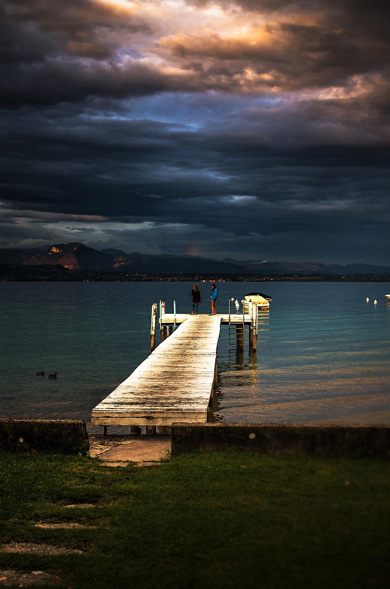 ..nuvole sul pontile... by enricosottocorna