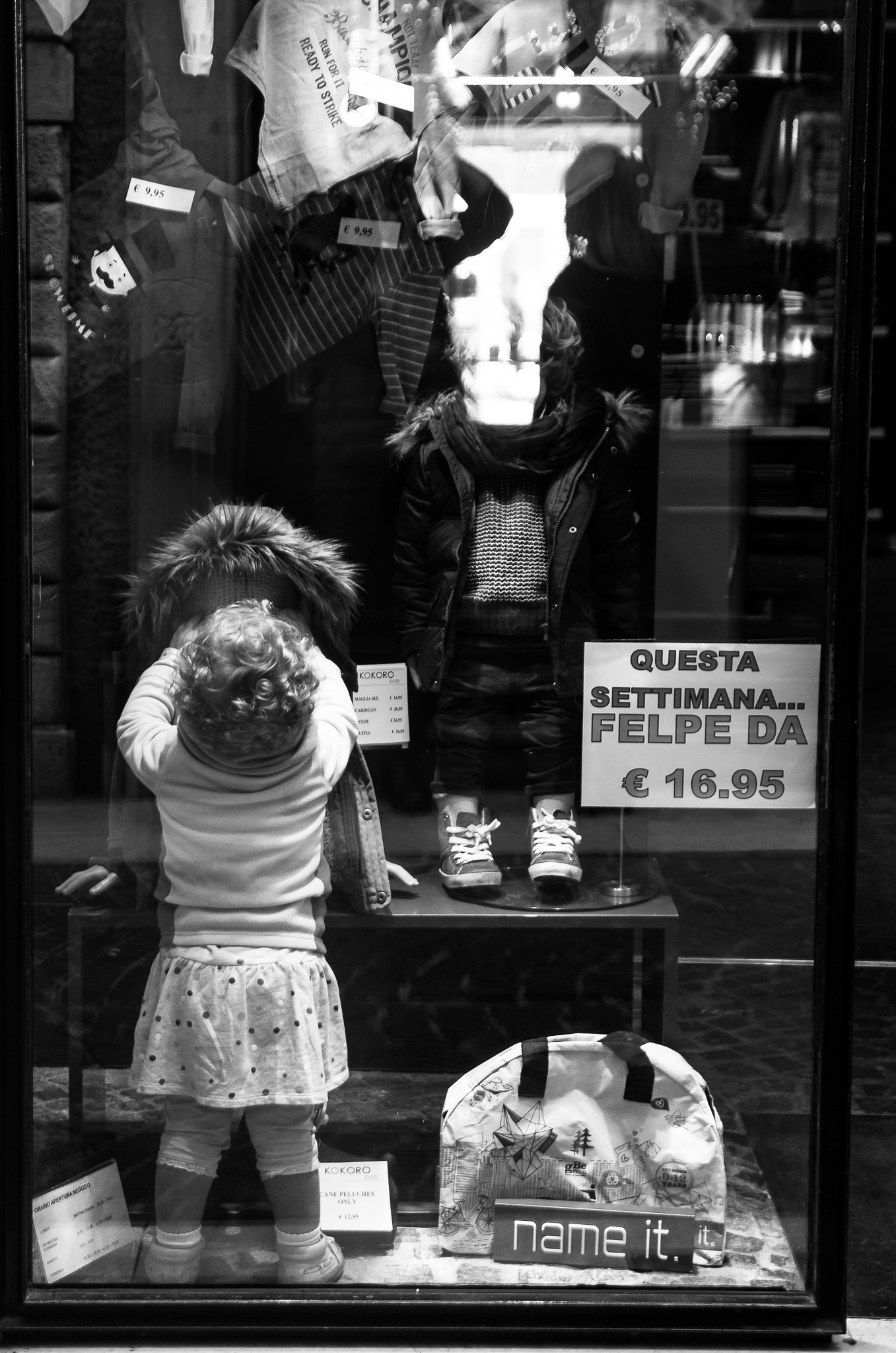 ..in vetrina.. by enricosottocorna