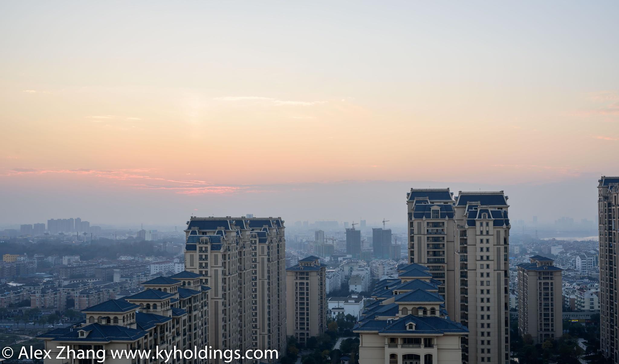sunset of Jinhua city. by Alex Zhang