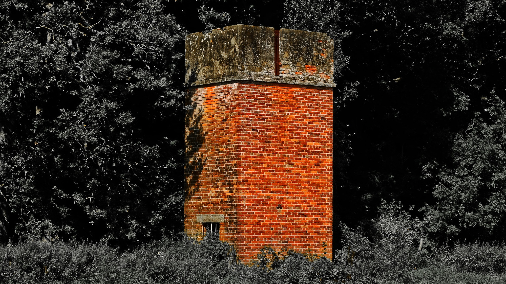 Red Brick Water Tower - Patney by Keith Patrak
