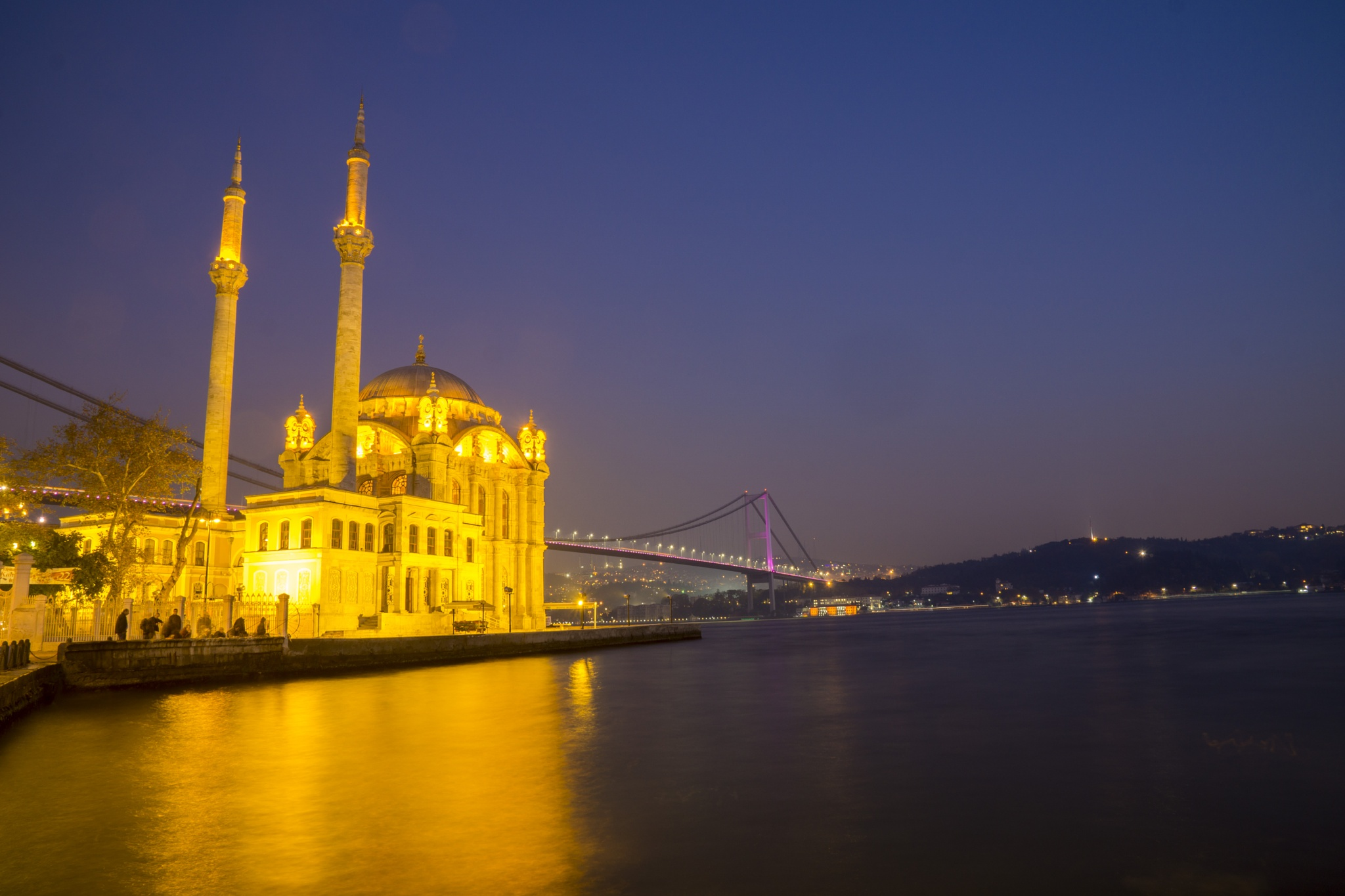 Ortakoy Mosque by lizardofthewisard